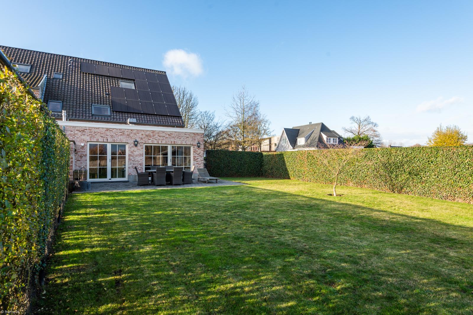 Prachtige half-open Pastorijwoning met vier slaapkamers en tuin met zicht op weiland te Lint! afbeelding 25