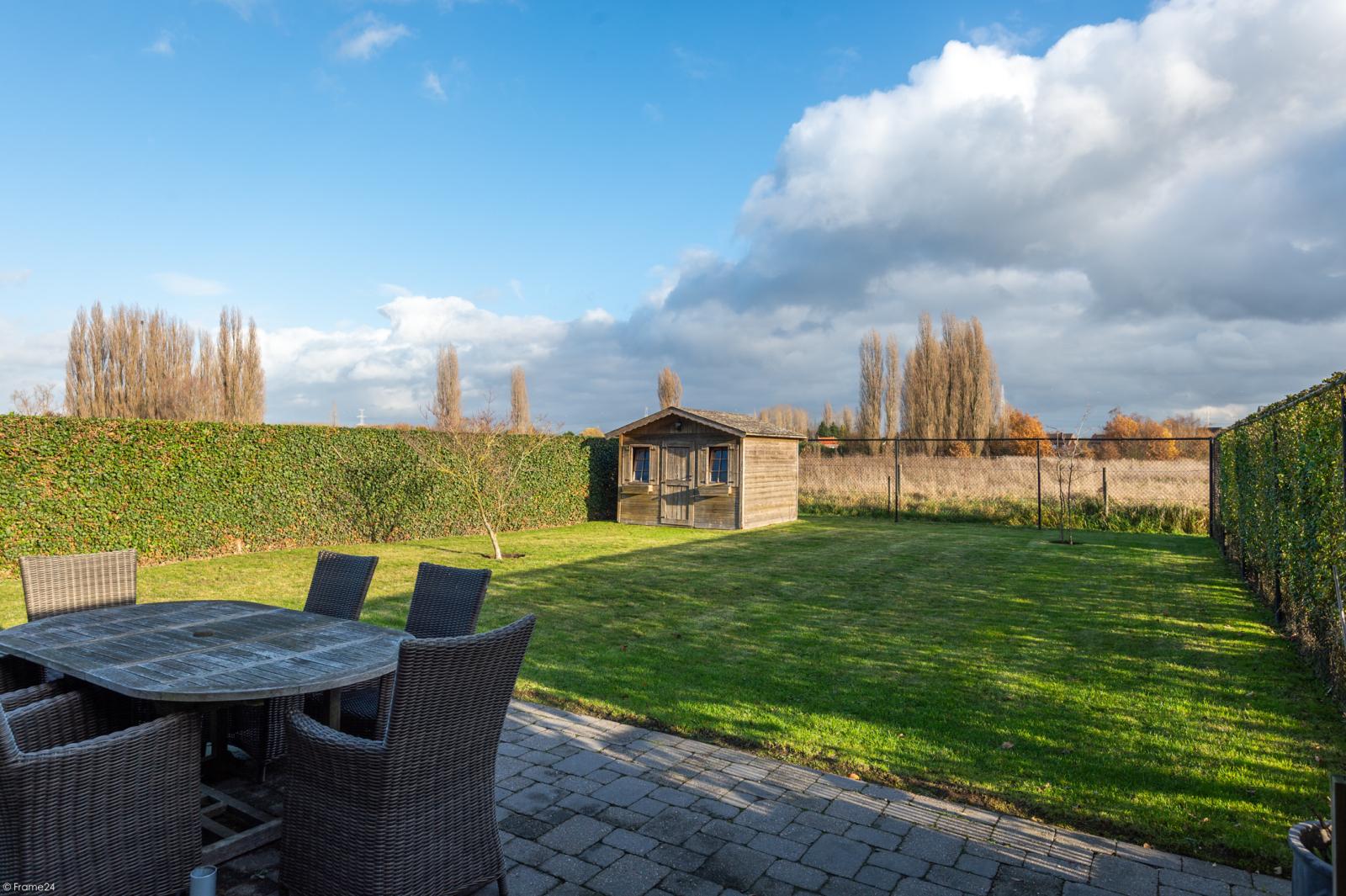 Prachtige half-open Pastorijwoning met vier slaapkamers en tuin met zicht op weiland te Lint! afbeelding 24