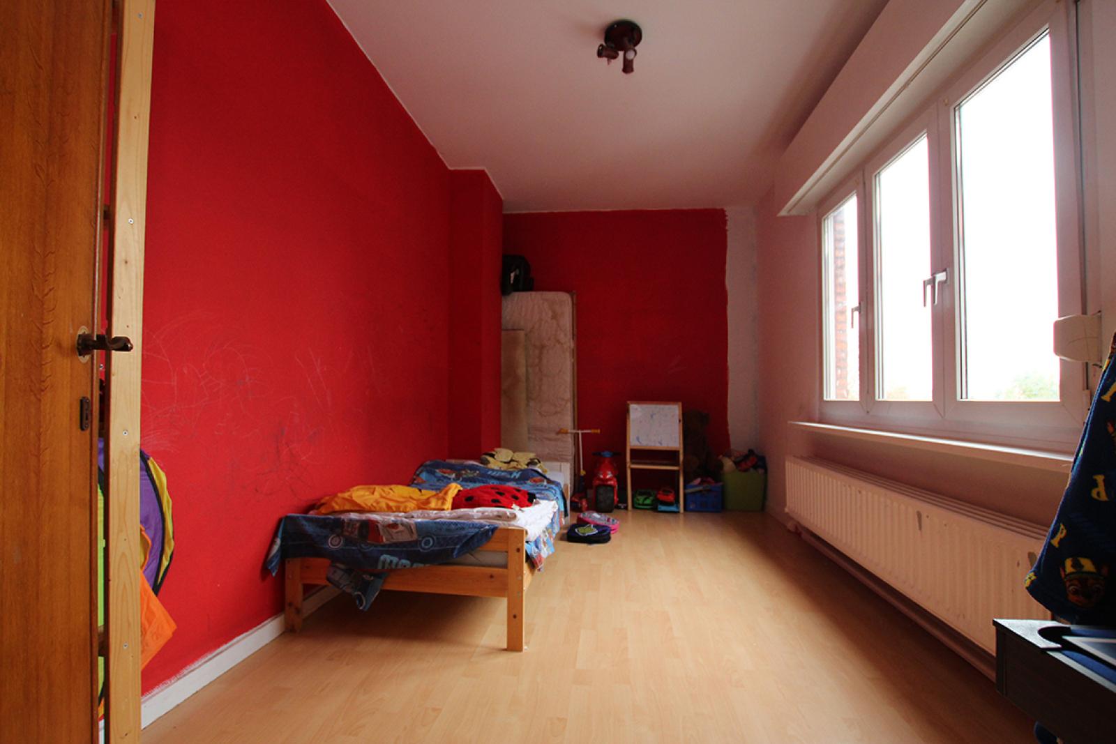 Handelsgelijkvloers (120m²) met ruim duplex-appartement! afbeelding 11