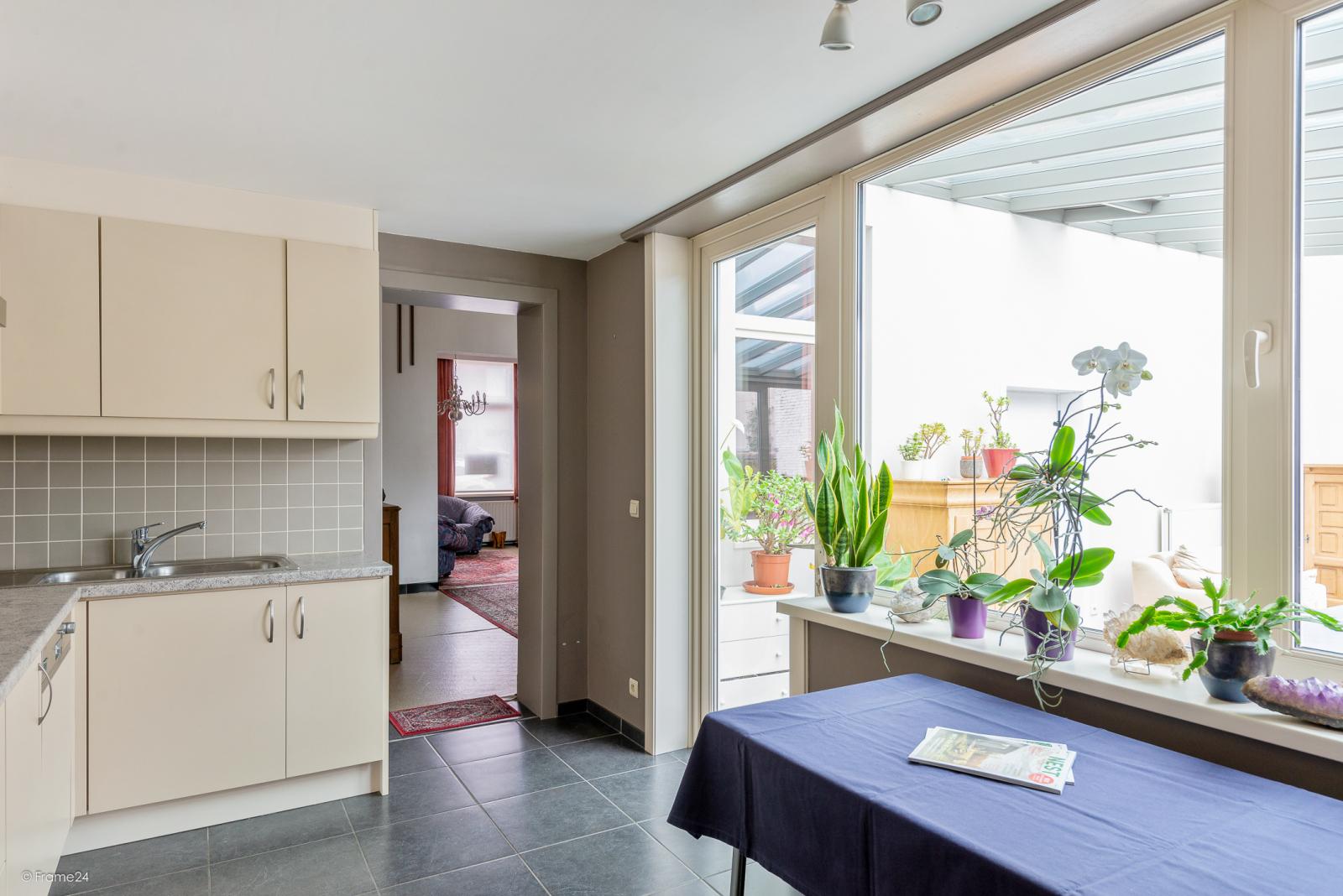 Op te frissen woning met drie slaapkamers en zuid-gerichte tuin nabij het centrum van Broechem! afbeelding 11