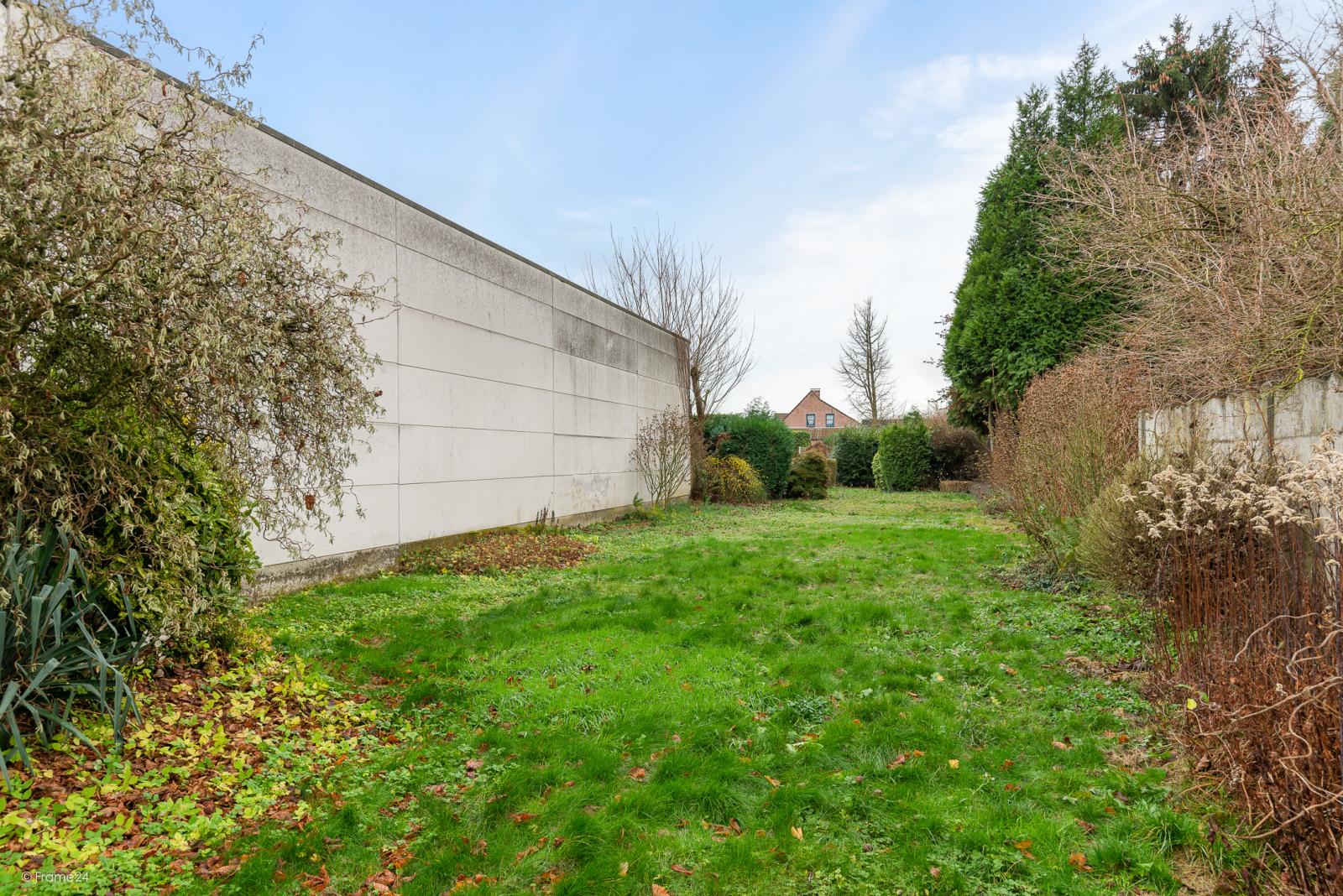 Op te frissen woning met drie slaapkamers en zuid-gerichte tuin nabij het centrum van Broechem! afbeelding 19