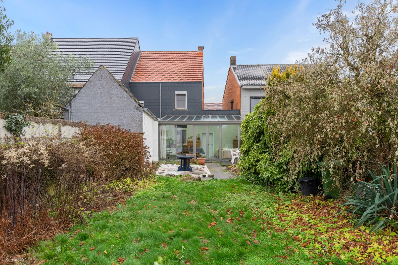 Op te frissen woning met drie slaapkamers en zuid-gerichte tuin nabij het centrum van Broechem! afbeelding 21