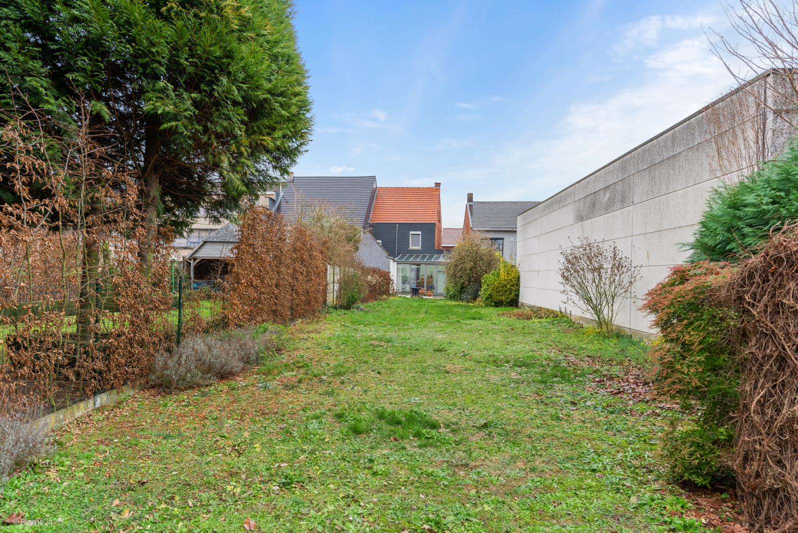 Op te frissen woning met drie slaapkamers en zuid-gerichte tuin nabij het centrum van Broechem! afbeelding 22