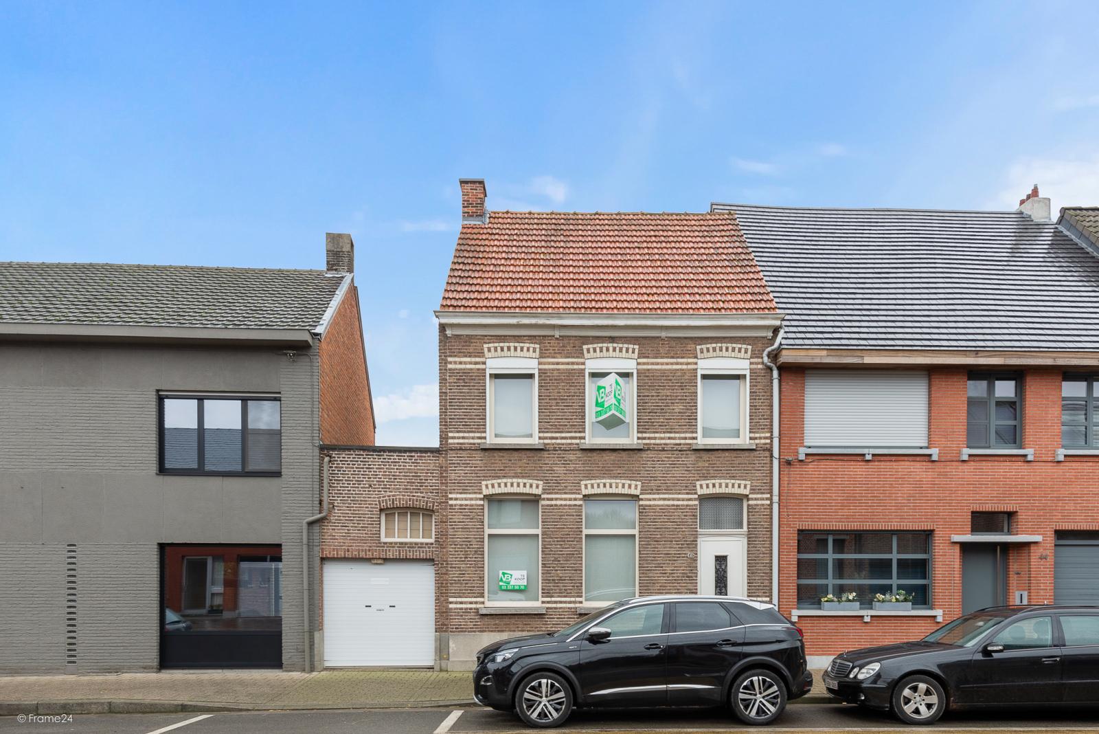Op te frissen woning met drie slaapkamers en zuid-gerichte tuin nabij het centrum van Broechem! afbeelding 23