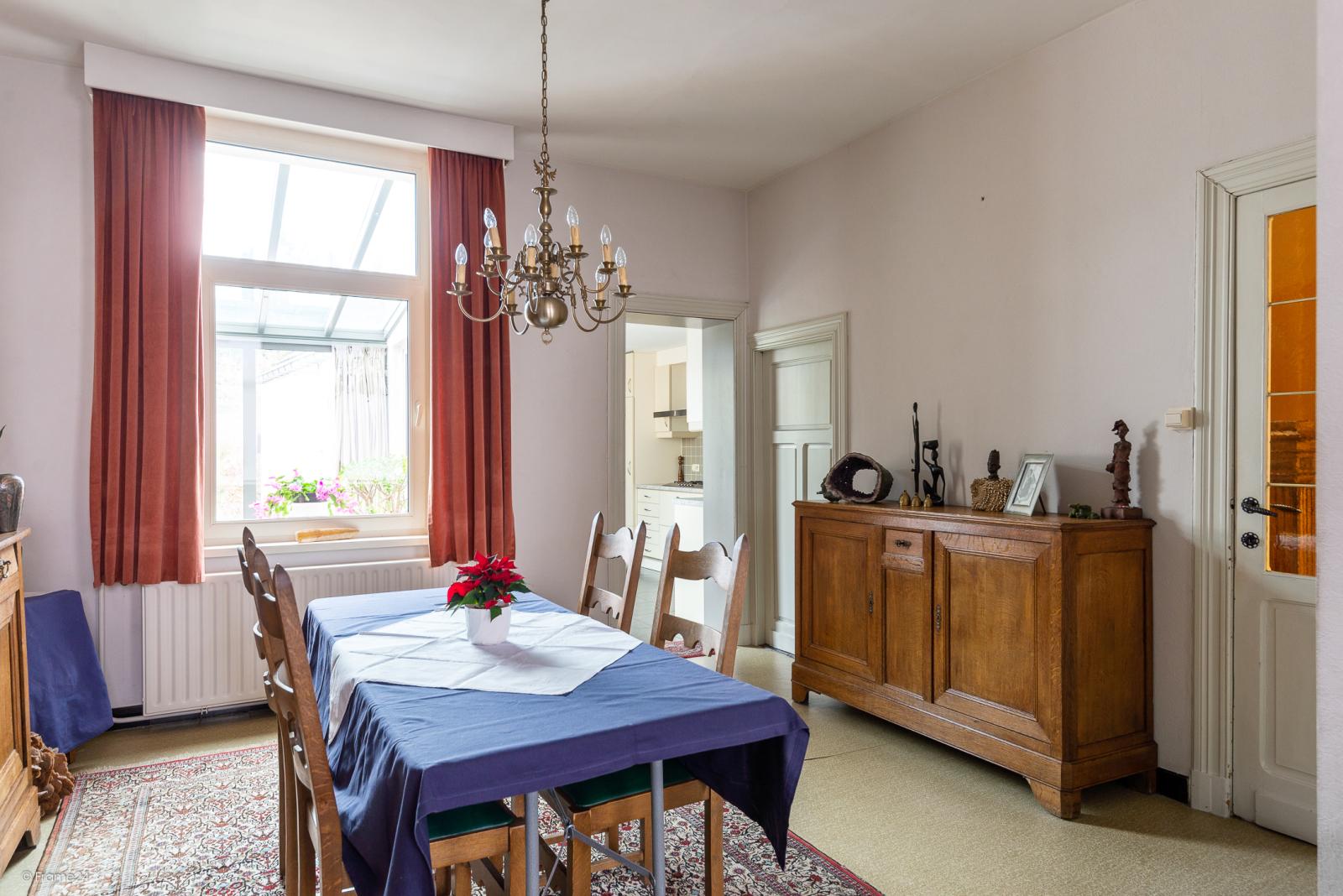 Op te frissen woning met drie slaapkamers en zuid-gerichte tuin nabij het centrum van Broechem! afbeelding 8