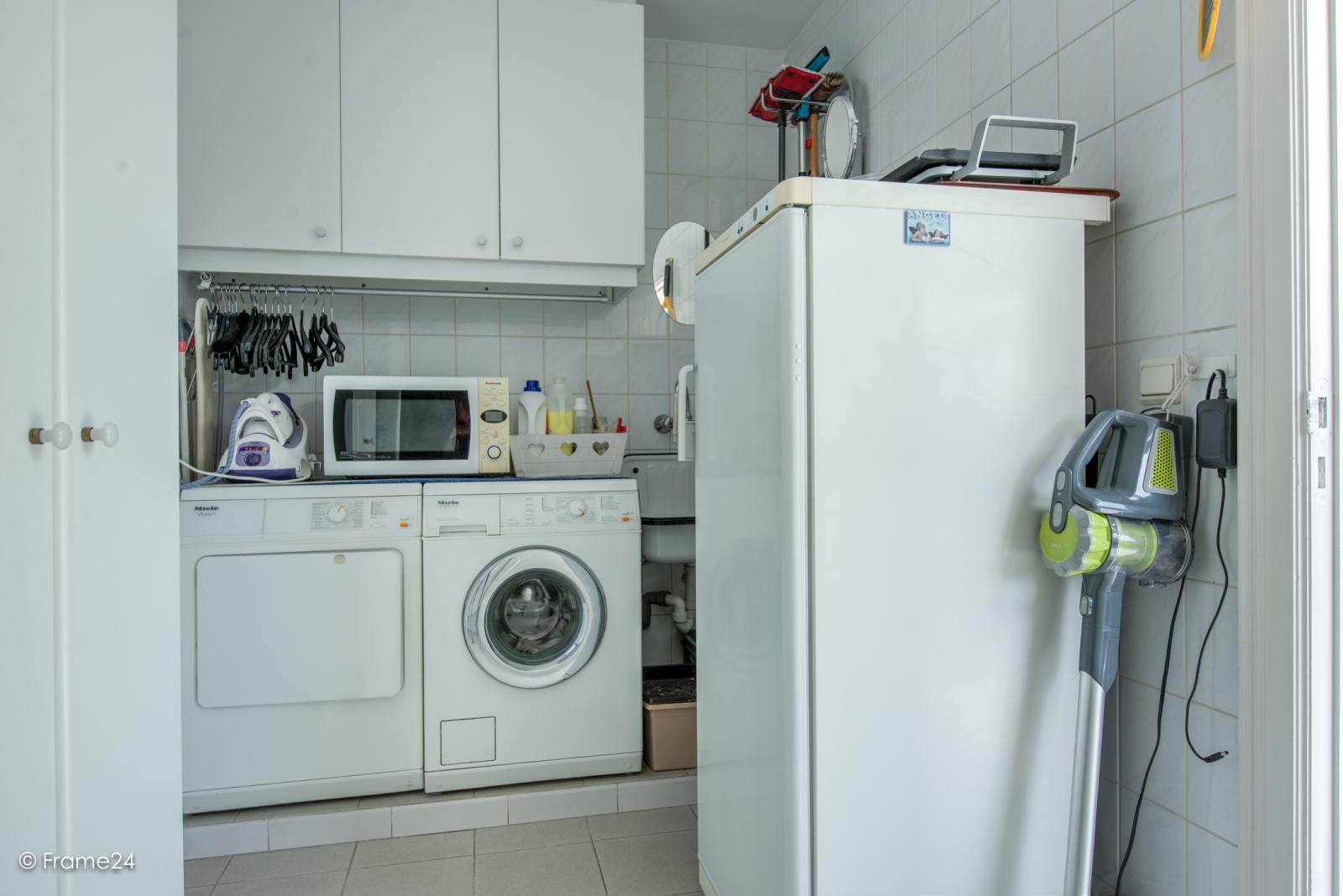 Prachtig duplex-appartement met riant terras (56 m²) én garage(s) te Wommelgem!   afbeelding 18
