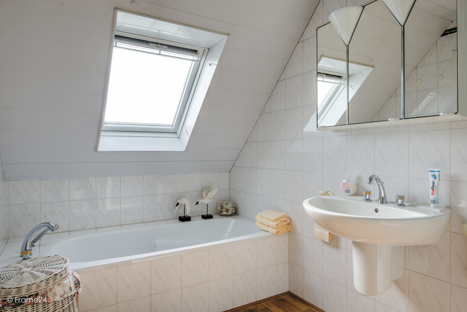 Prachtig duplex-appartement met riant terras (56 m²) én garage(s) te Wommelgem!   afbeelding 15