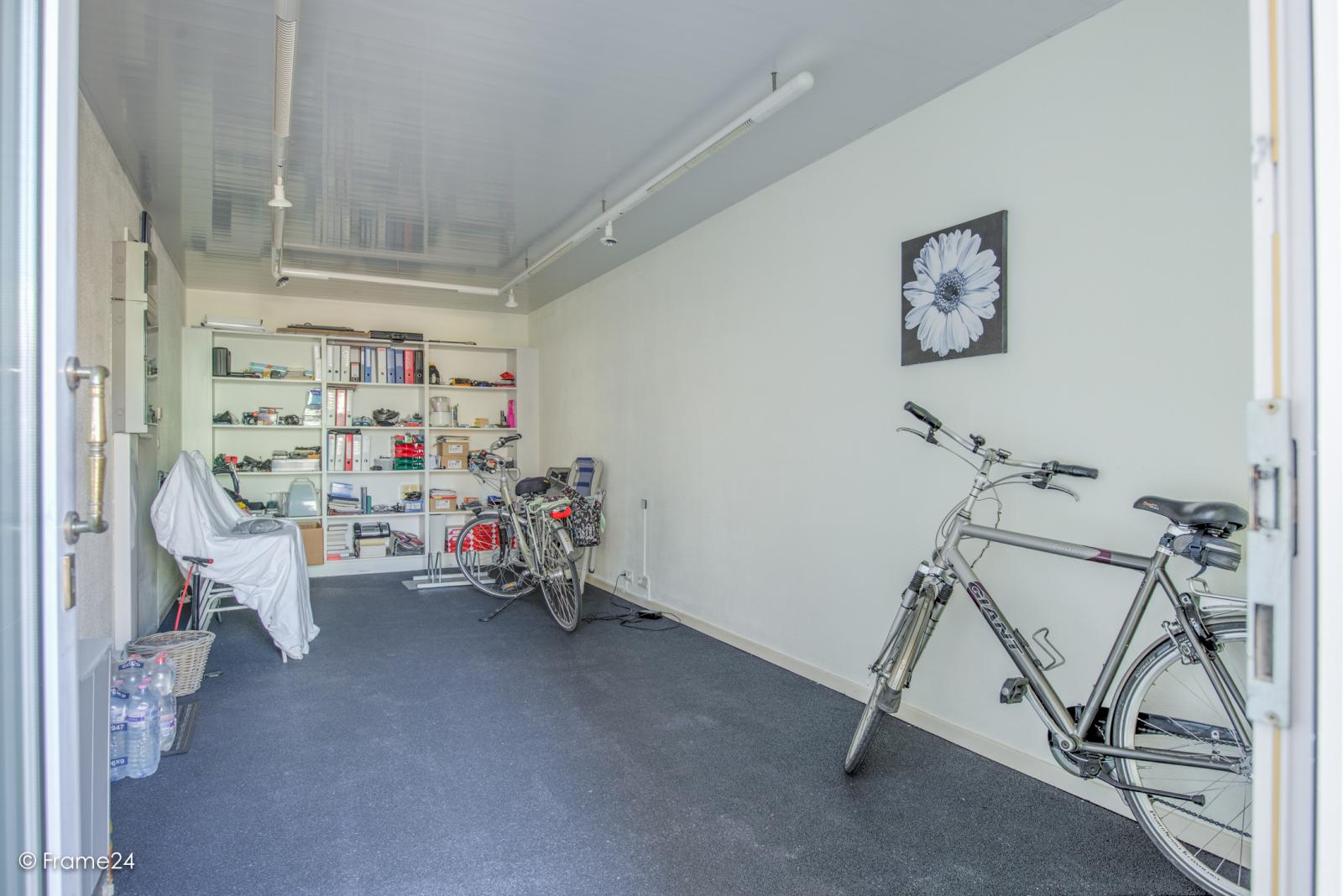 Prachtig duplex-appartement met riant terras (56 m²) én garage(s) te Wommelgem!   afbeelding 26
