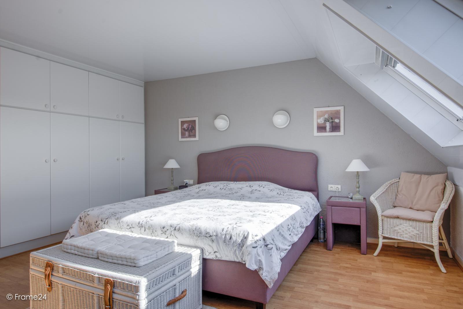 Prachtig duplex-appartement met riant terras (56 m²) én garage(s) te Wommelgem!   afbeelding 13