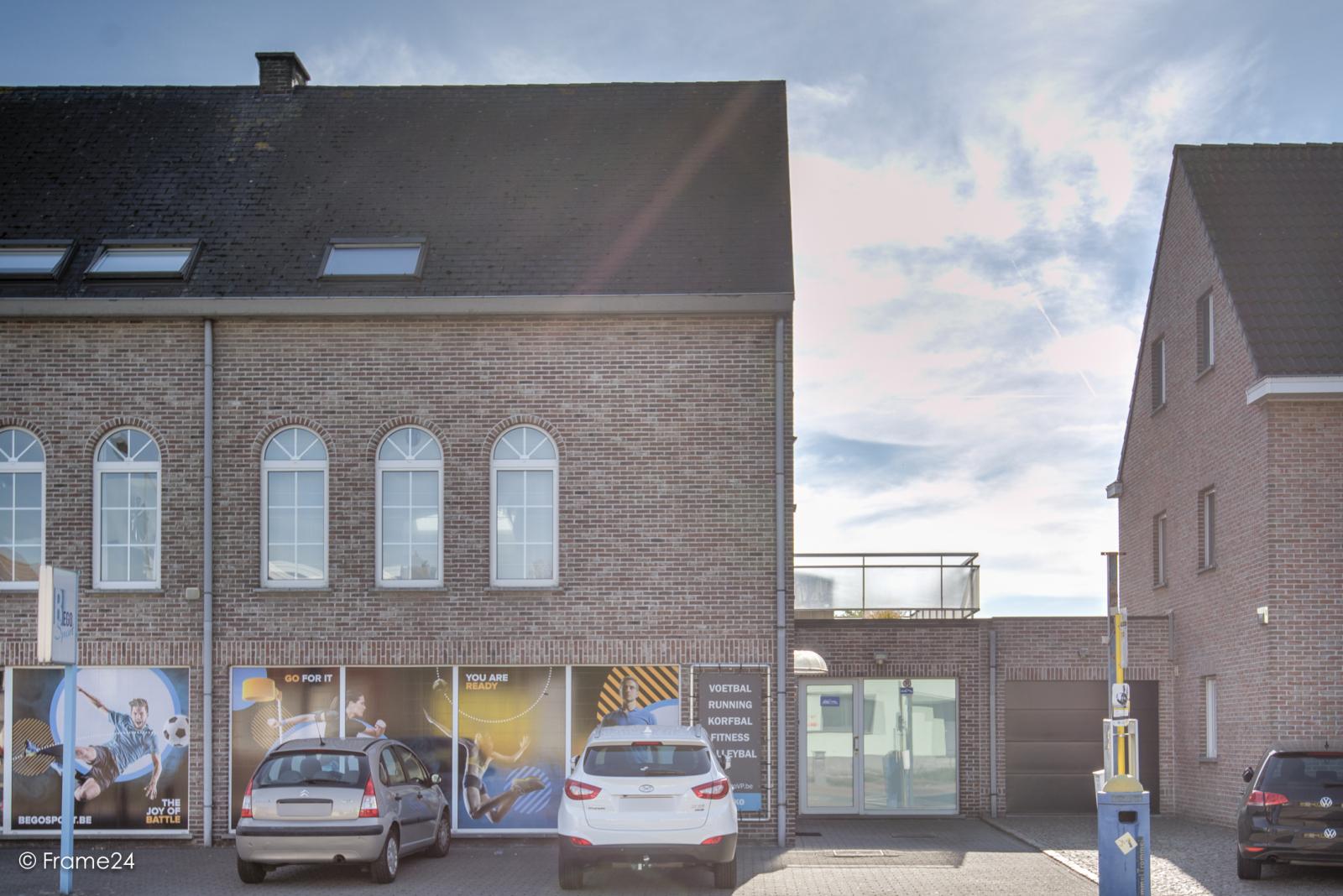 Prachtig duplex-appartement met riant terras (56 m²) én garage(s) te Wommelgem!   afbeelding 24