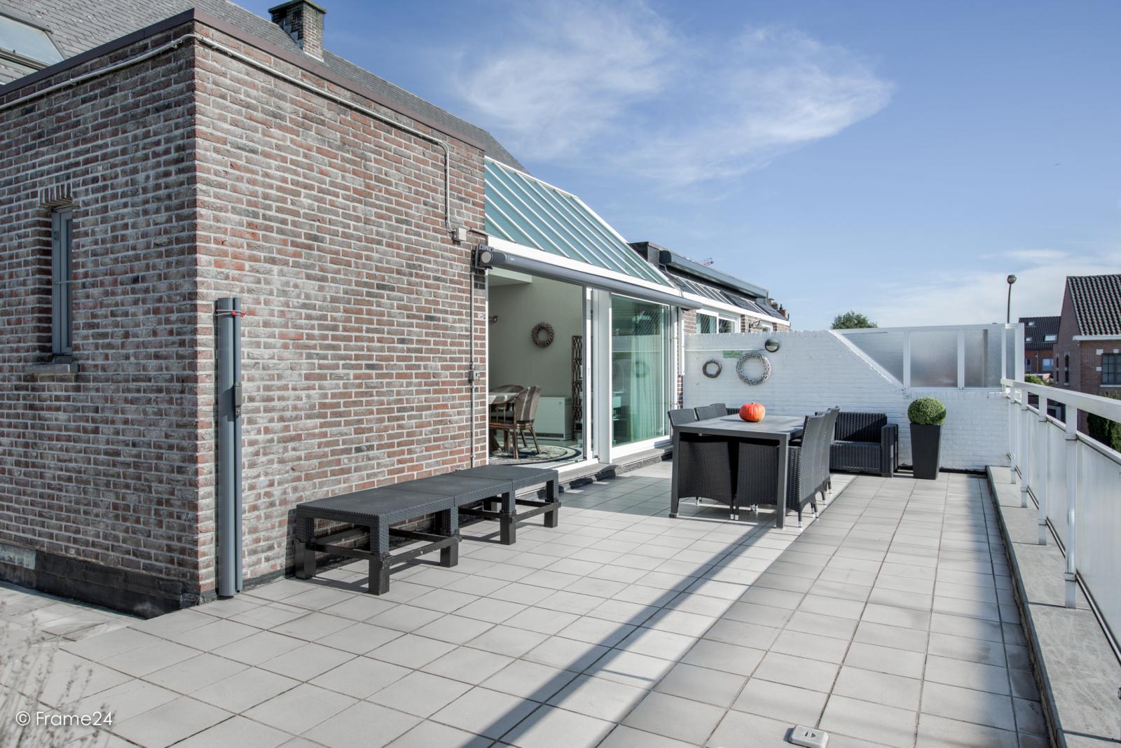 Prachtig duplex-appartement met riant terras (56 m²) én garage(s) te Wommelgem!   afbeelding 20