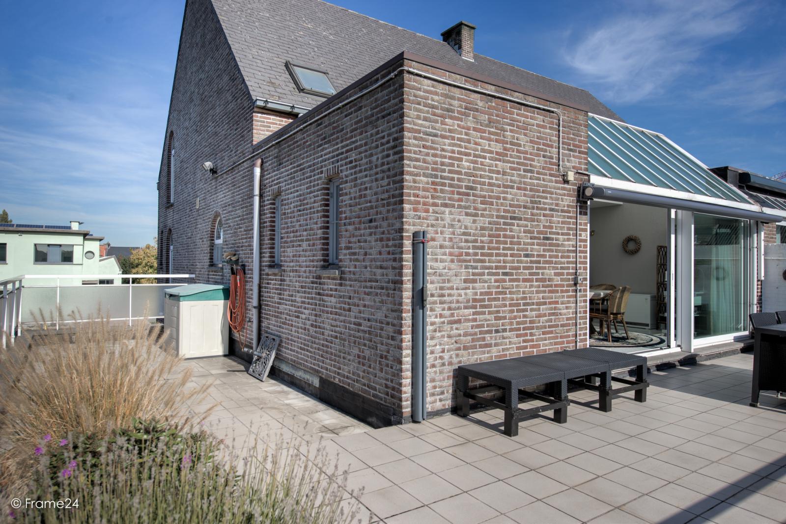 Prachtig duplex-appartement met riant terras (56 m²) én garage(s) te Wommelgem!   afbeelding 21