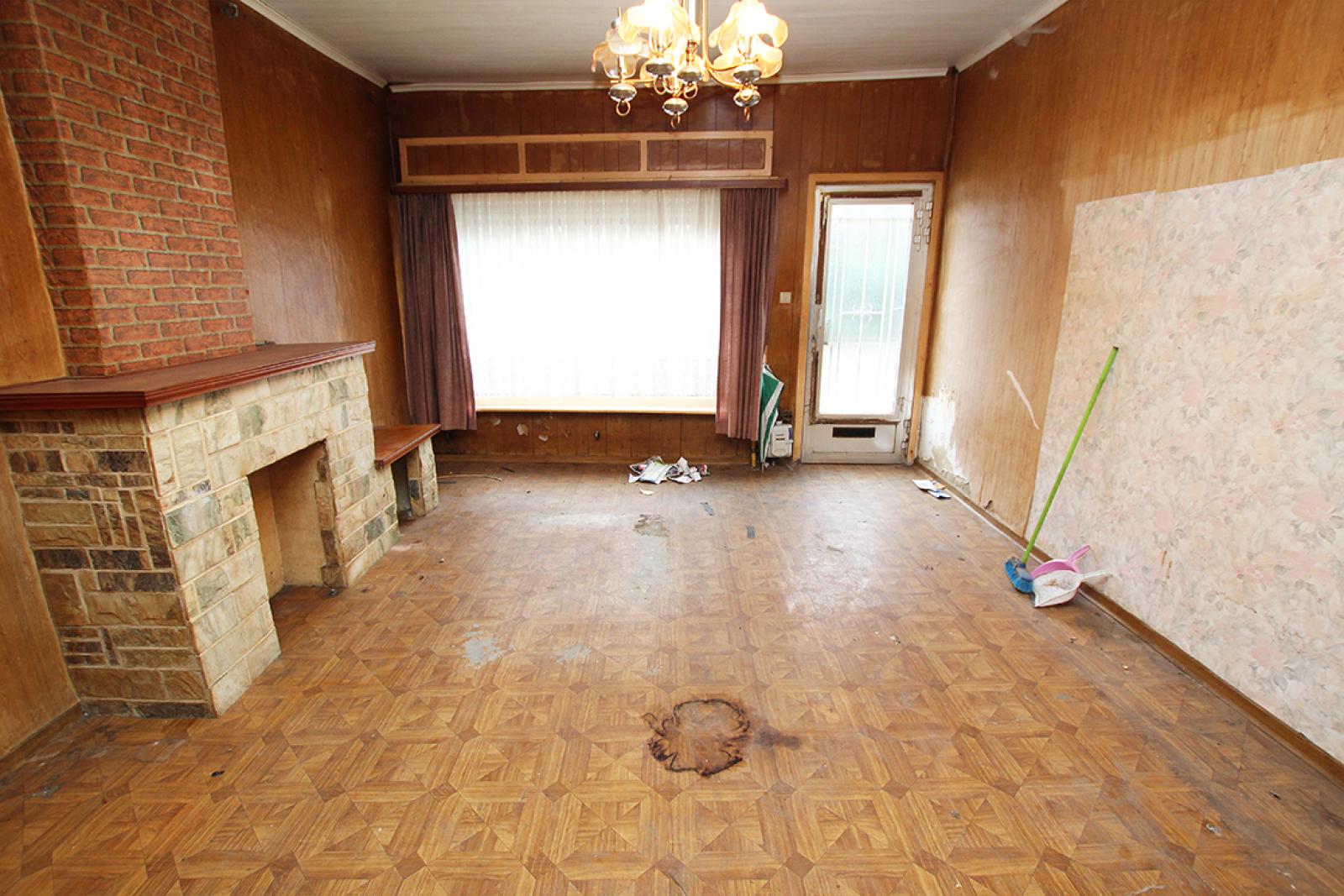 Volledig te renoveren of af te breken woning gelegen in een rustige, doodlopende straat te Rumst! afbeelding 4