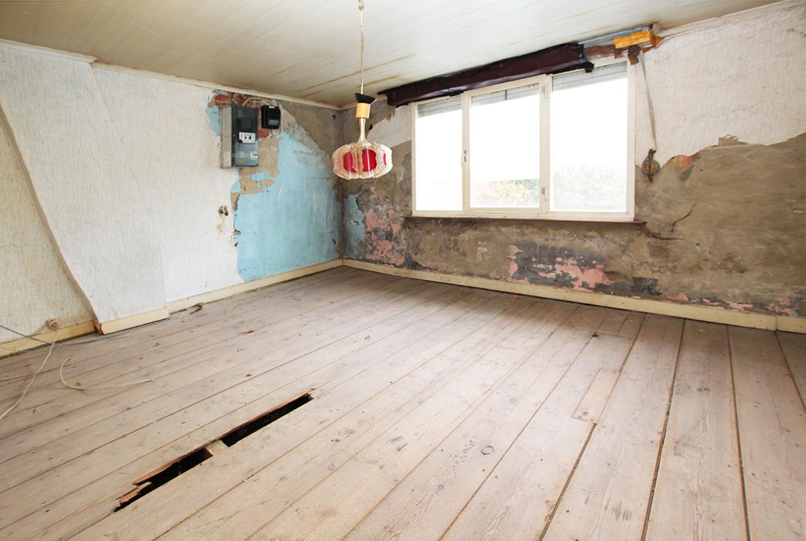 Volledig te renoveren of af te breken woning gelegen in een rustige, doodlopende straat te Rumst! afbeelding 7