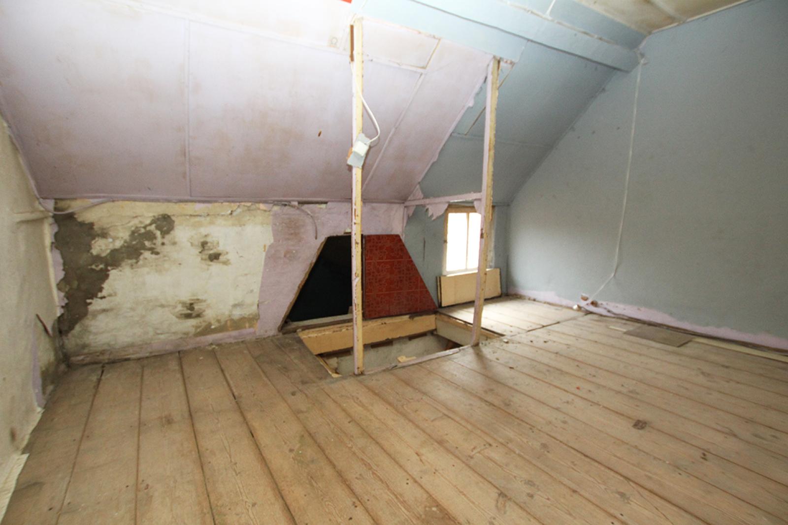 Volledig te renoveren of af te breken woning gelegen in een rustige, doodlopende straat te Rumst! afbeelding 8