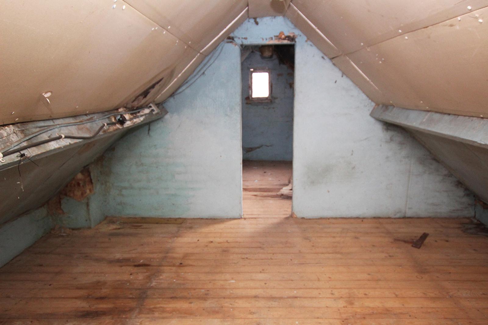 Volledig te renoveren of af te breken woning gelegen in een rustige, doodlopende straat te Rumst! afbeelding 9