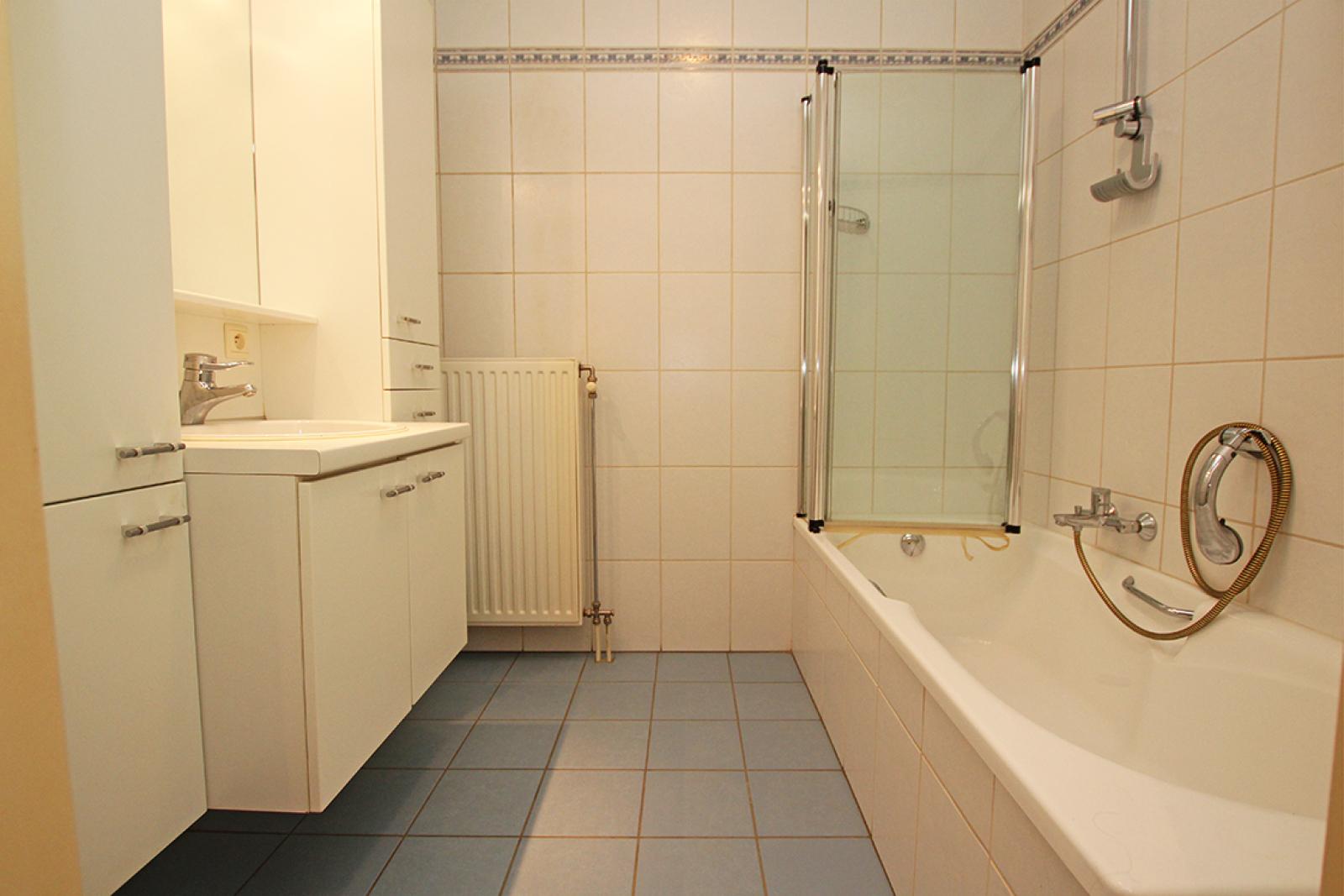 Zeer verzorgd 3-gevel appartement met twee slaapkamers en terras op goede locatie te Borsbeek! afbeelding 13