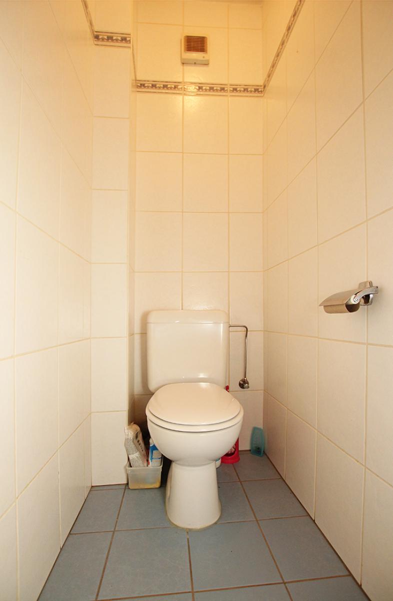 Zeer verzorgd 3-gevel appartement met twee slaapkamers en terras op goede locatie te Borsbeek! afbeelding 15
