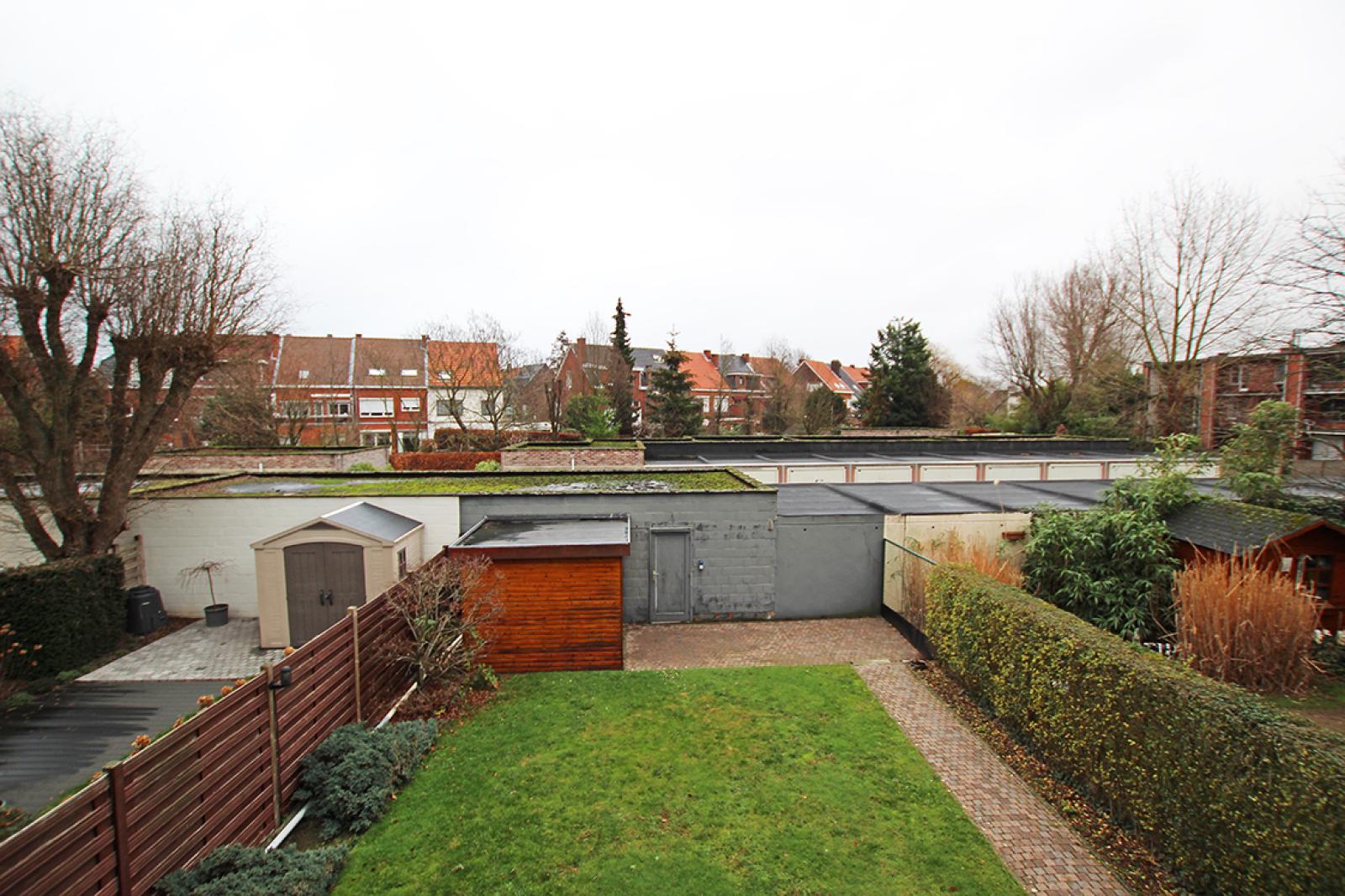 Zeer verzorgd 3-gevel appartement met twee slaapkamers en terras op goede locatie te Borsbeek! afbeelding 18