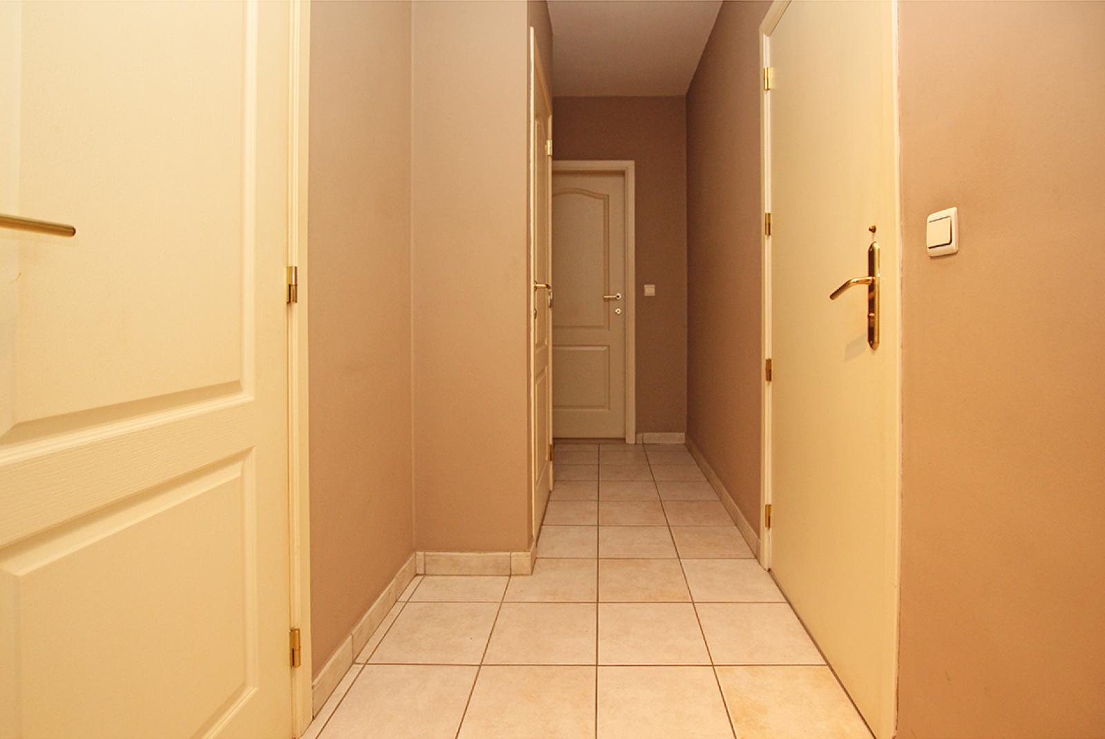 Zeer verzorgd 3-gevel appartement met twee slaapkamers en terras op goede locatie te Borsbeek! afbeelding 9