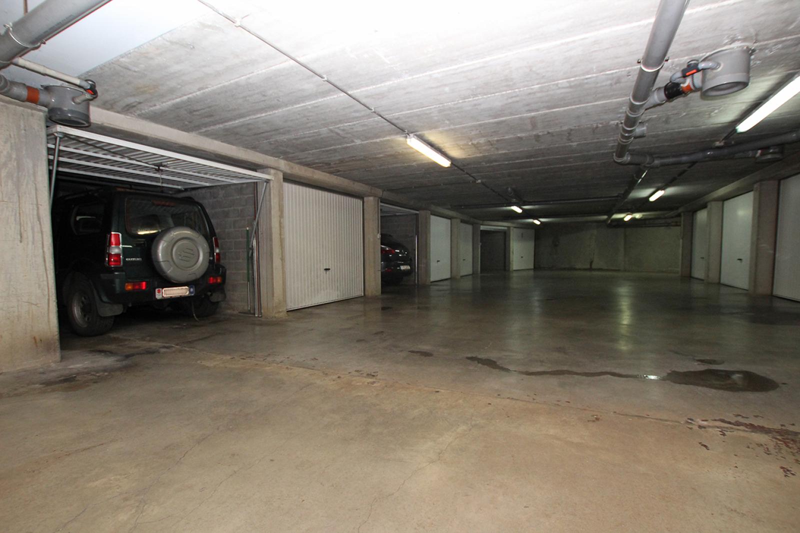 Op te frissen appartement met twee slaapkamers en lift nabij het Te Boelaerpark te Deurne! afbeelding 9