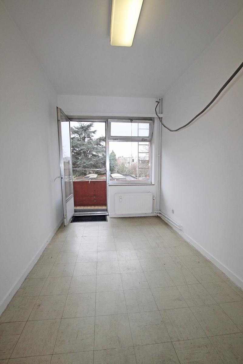 Op te frissen appartement met twee slaapkamers en lift nabij het Te Boelaerpark te Deurne! afbeelding 4
