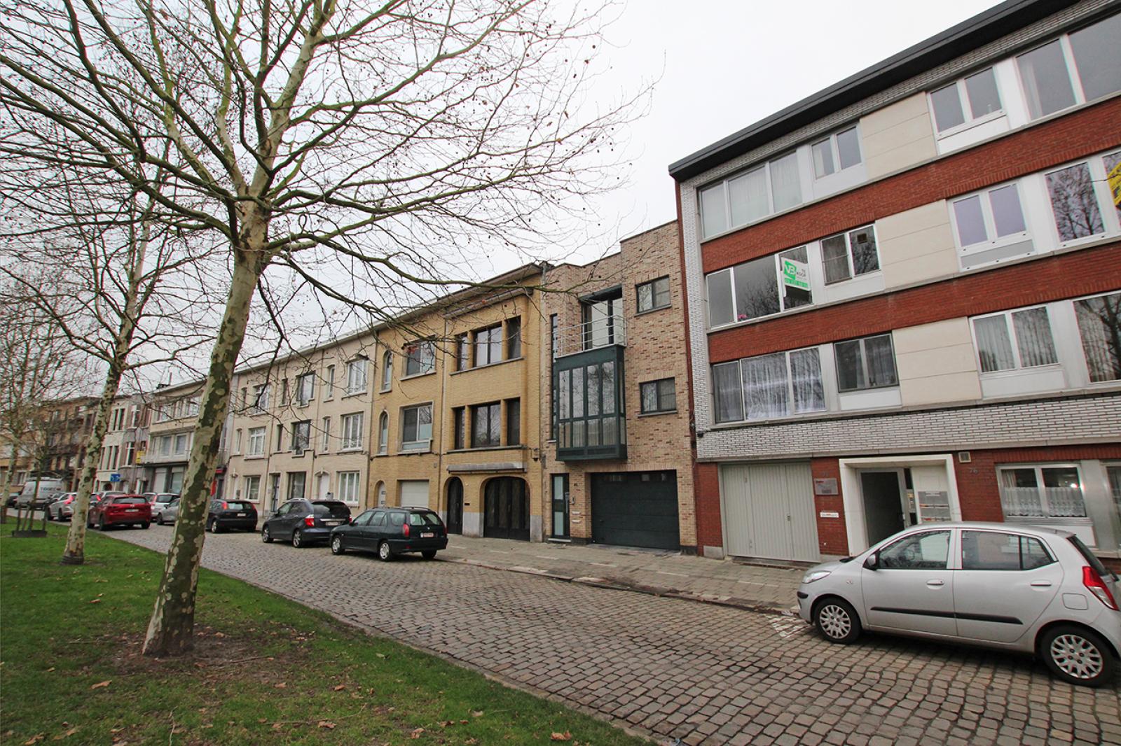 Op te frissen appartement met twee slaapkamers en lift nabij het Te Boelaerpark te Deurne! afbeelding 10