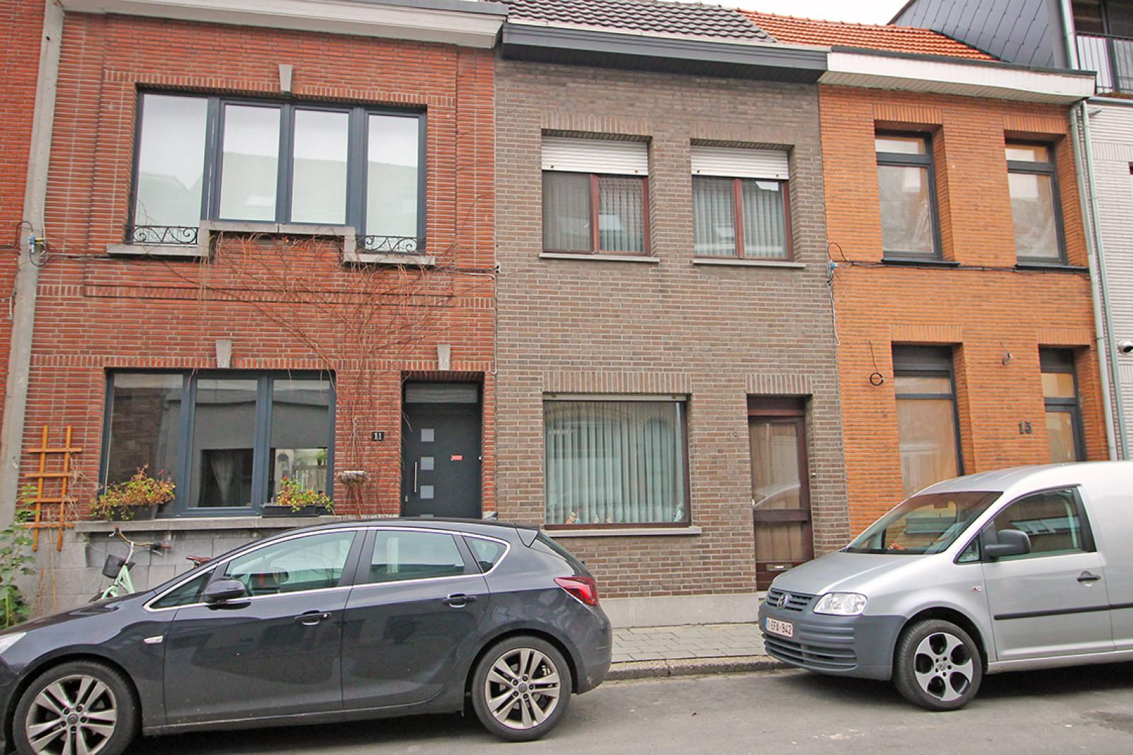 Te renoveren eengezinswoning met stadstuin te Borgerhout! afbeelding 1