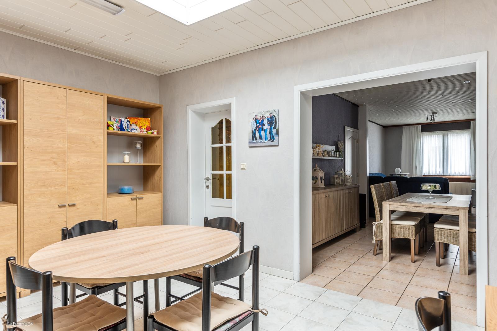 Ruime, instapklare ééngezinswoning met 4 grote slaapkamers nabij het centrum van Wommelgem! afbeelding 14