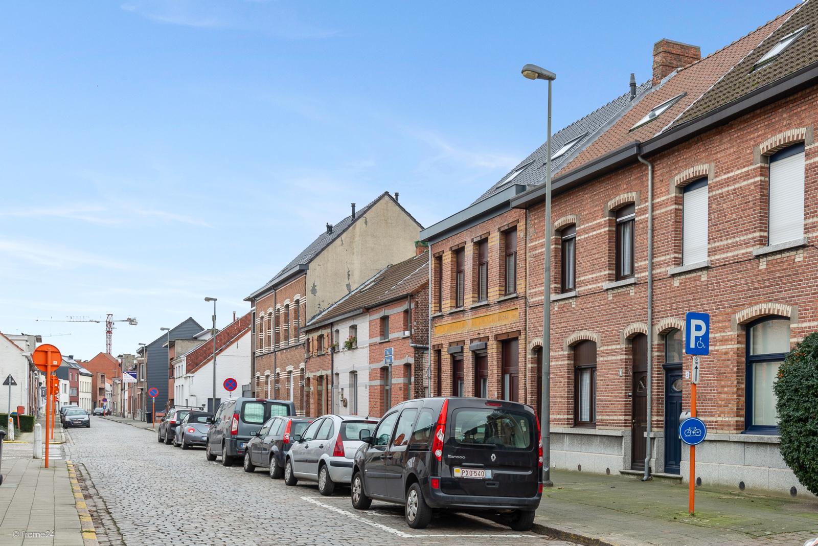 Ruime, instapklare ééngezinswoning met 4 grote slaapkamers nabij het centrum van Wommelgem! afbeelding 24
