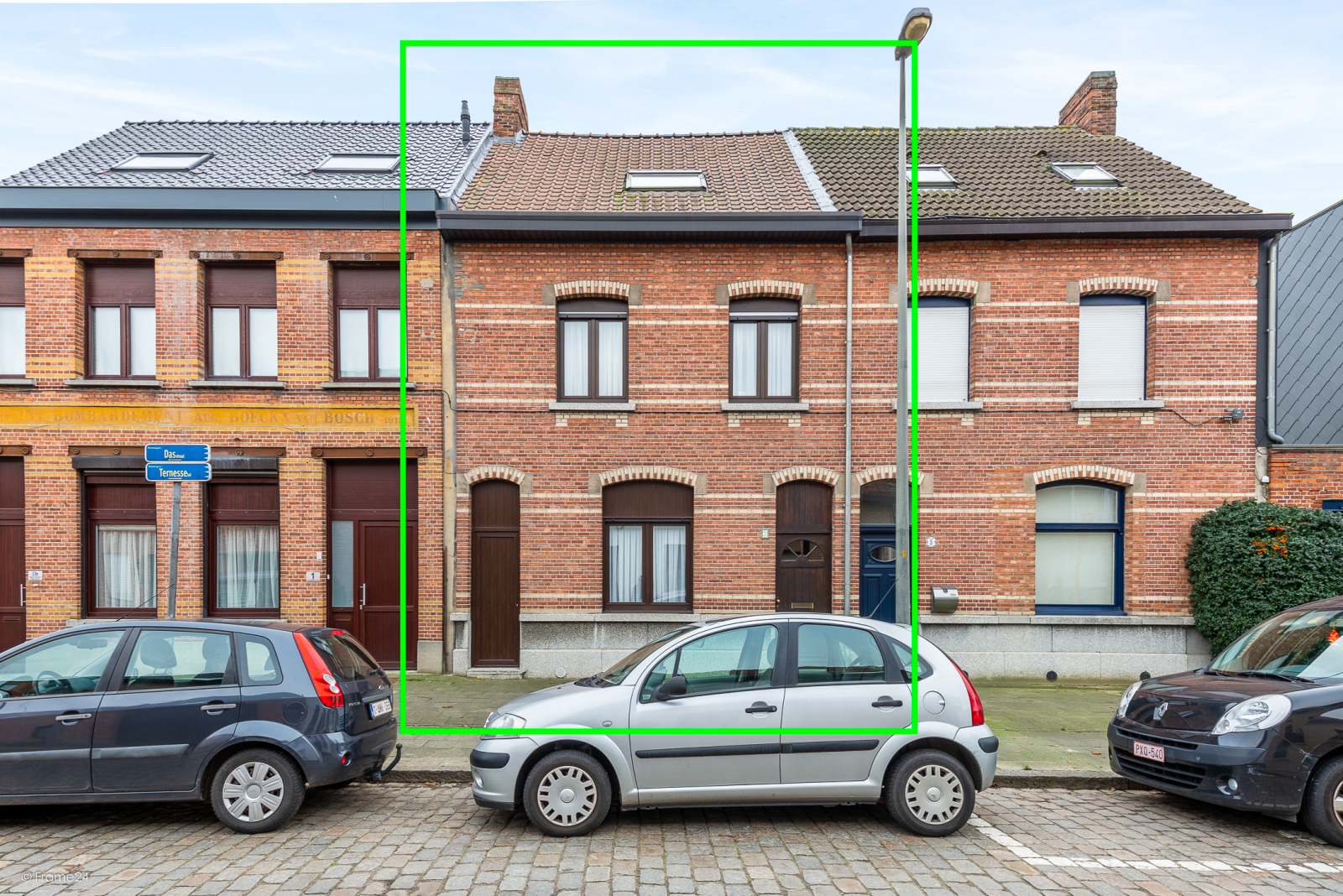 Ruime, instapklare ééngezinswoning met 4 grote slaapkamers nabij het centrum van Wommelgem! afbeelding 1