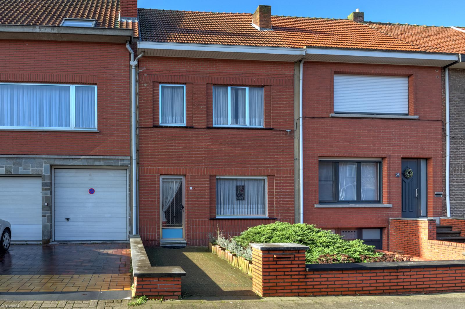 Zeer verzorgde ruime ééngezinswoning met 3 slaapkamers en dubbele garage te Wijnegem! afbeelding 1