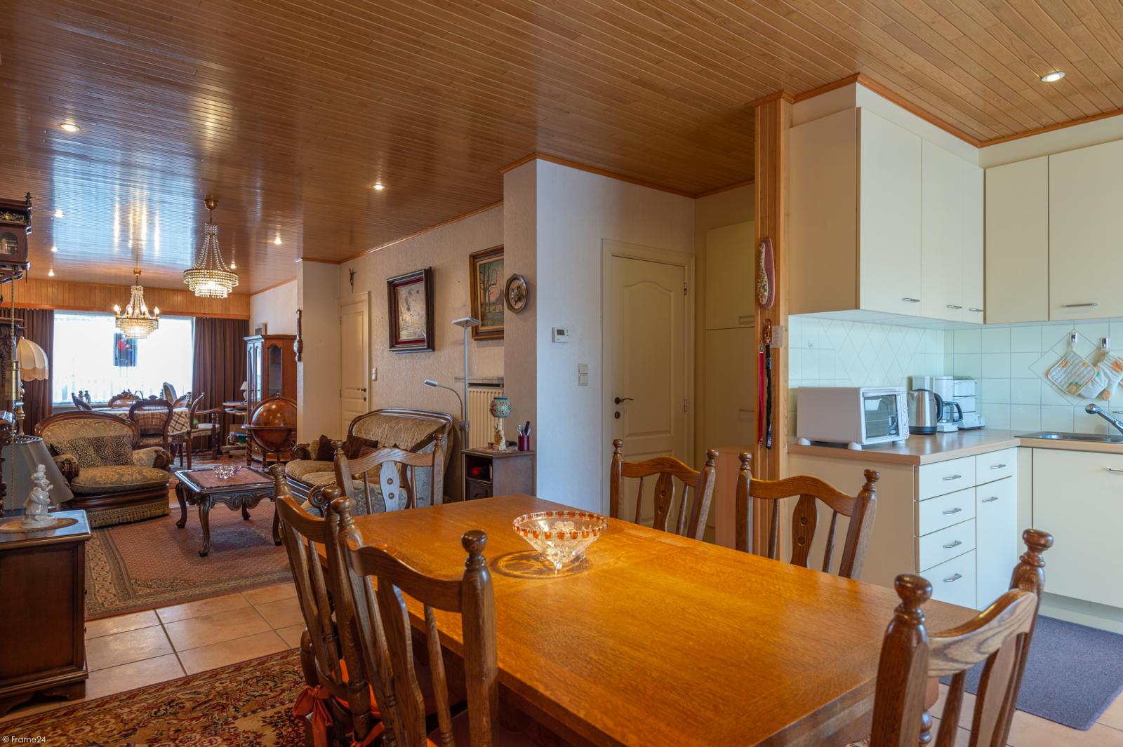 Zeer verzorgde ruime ééngezinswoning met 3 slaapkamers en dubbele garage te Wijnegem! afbeelding 6