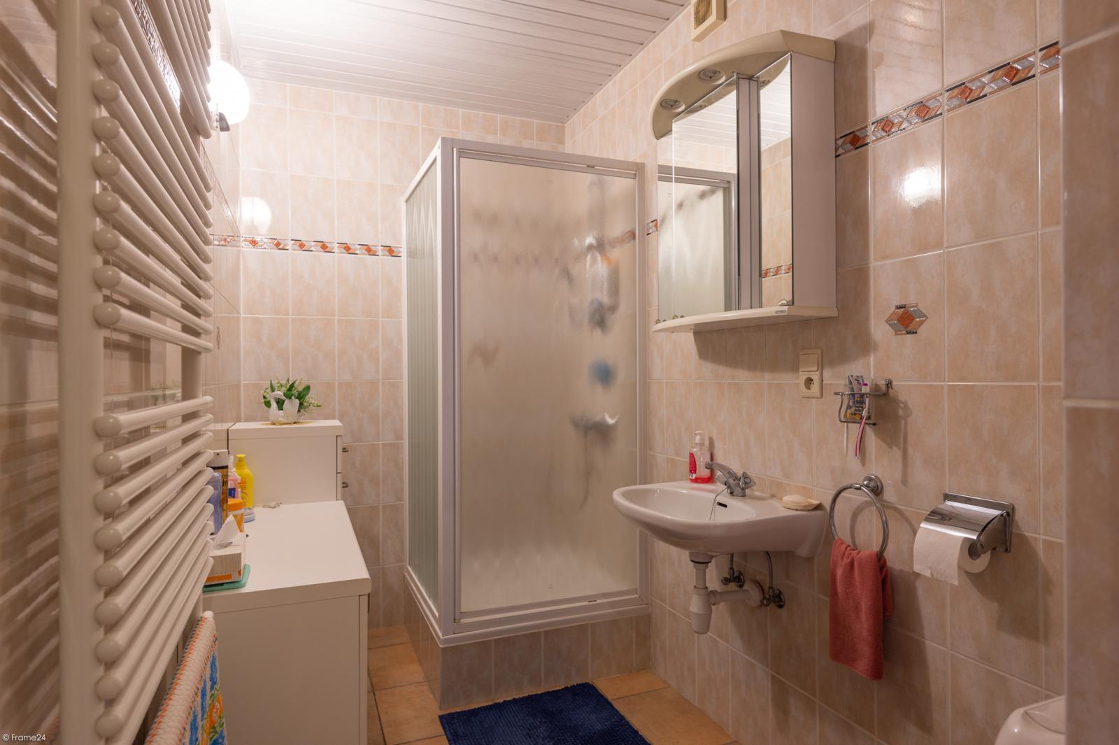 Zeer verzorgde ruime ééngezinswoning met 3 slaapkamers en dubbele garage te Wijnegem! afbeelding 12