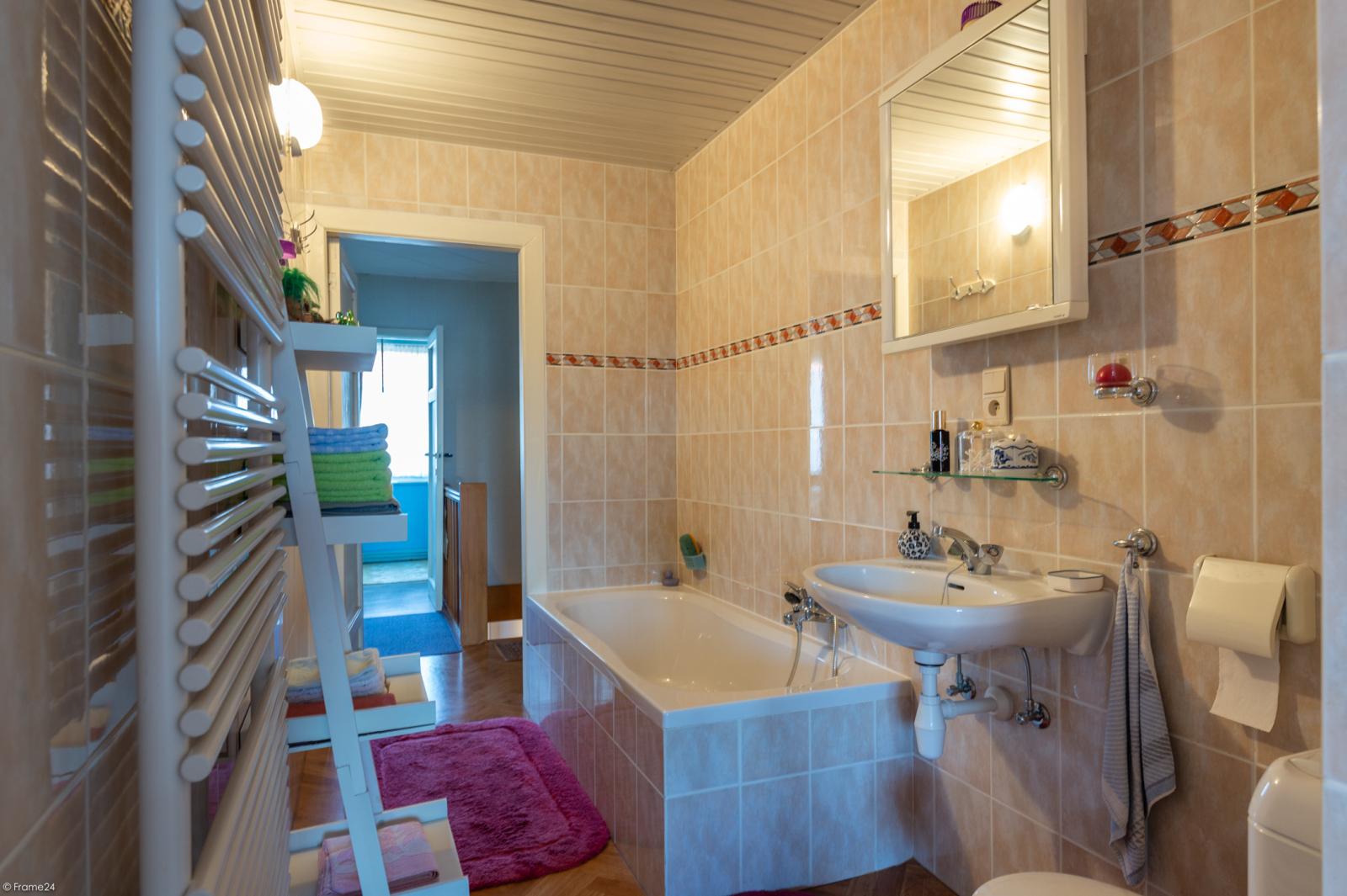 Zeer verzorgde ruime ééngezinswoning met 3 slaapkamers en dubbele garage te Wijnegem! afbeelding 16