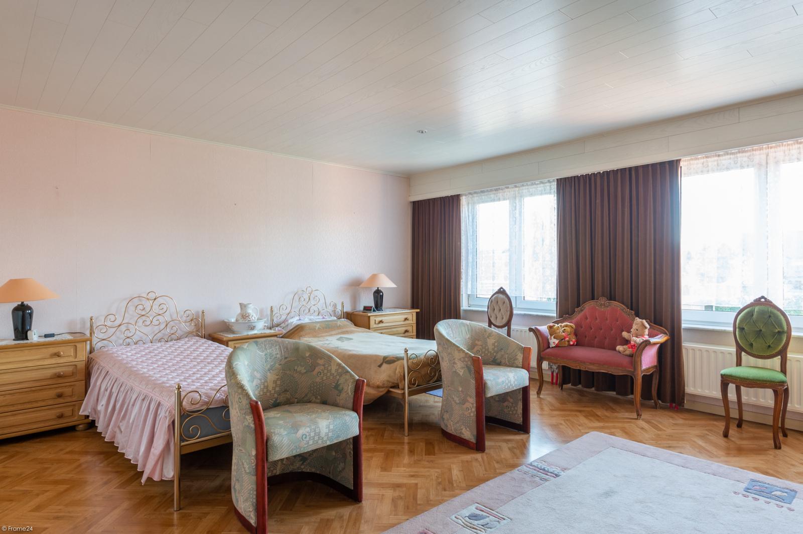 Zeer verzorgde ruime ééngezinswoning met 3 slaapkamers en dubbele garage te Wijnegem! afbeelding 14