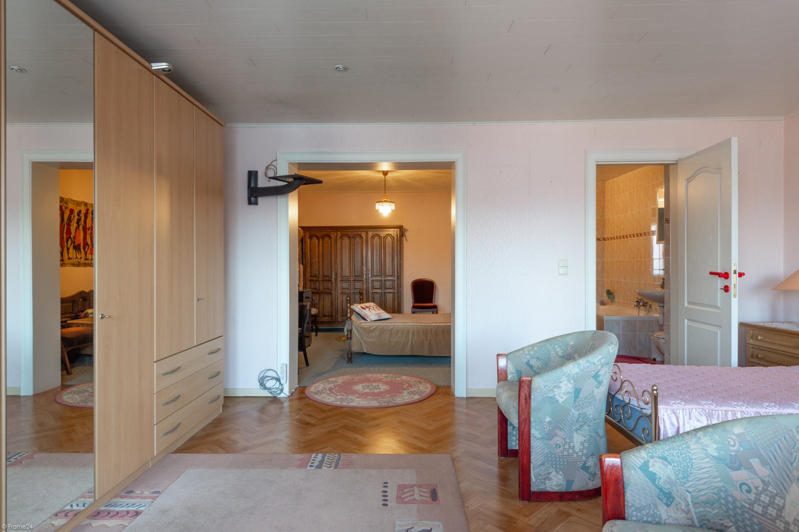 Zeer verzorgde ruime ééngezinswoning met 3 slaapkamers en dubbele garage te Wijnegem! afbeelding 15