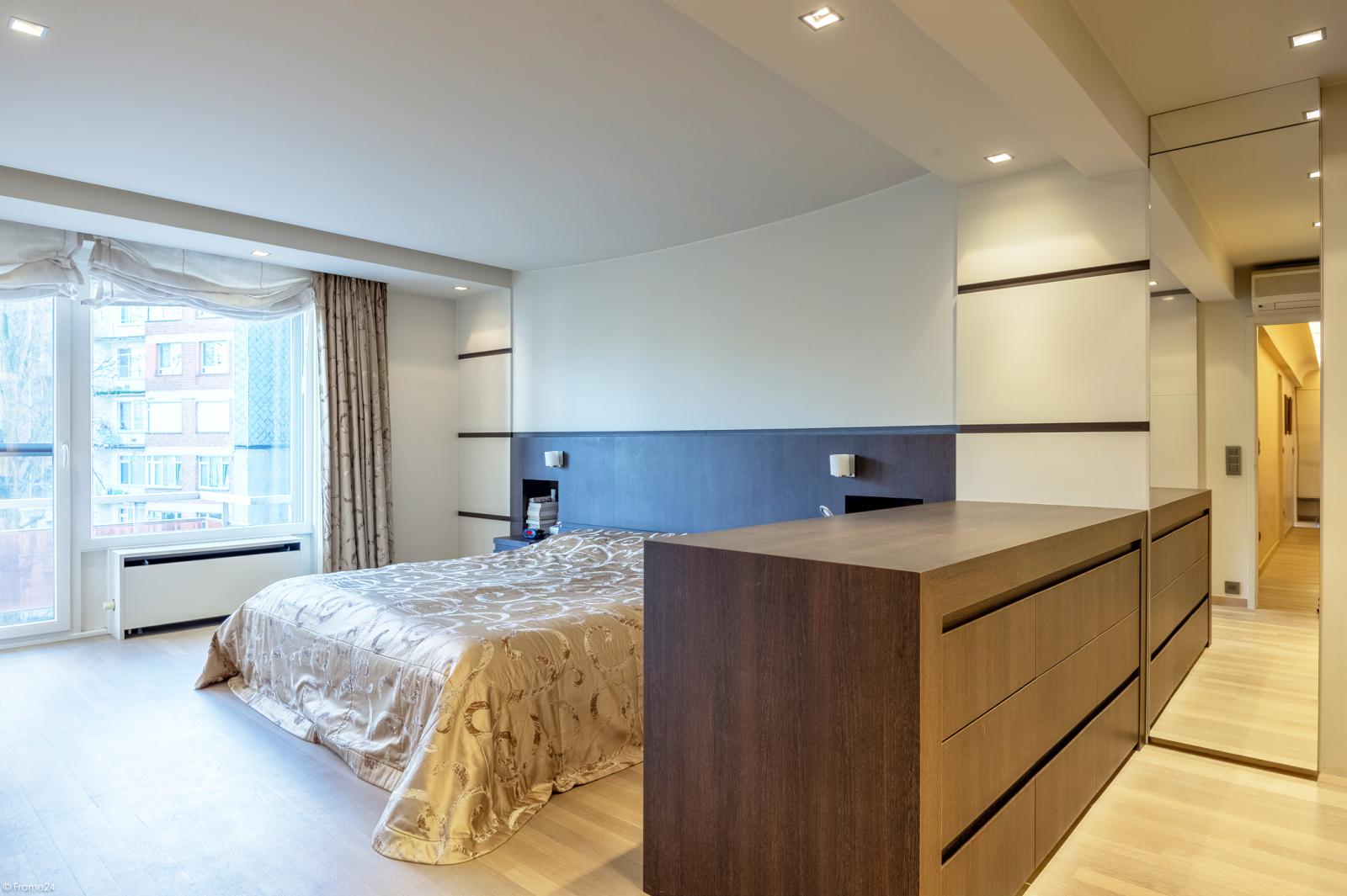 Riant luxueus appartement (ca. 280 m²) op unieke ligging nabij het Koning Albertpark te Antwerpen! afbeelding 11