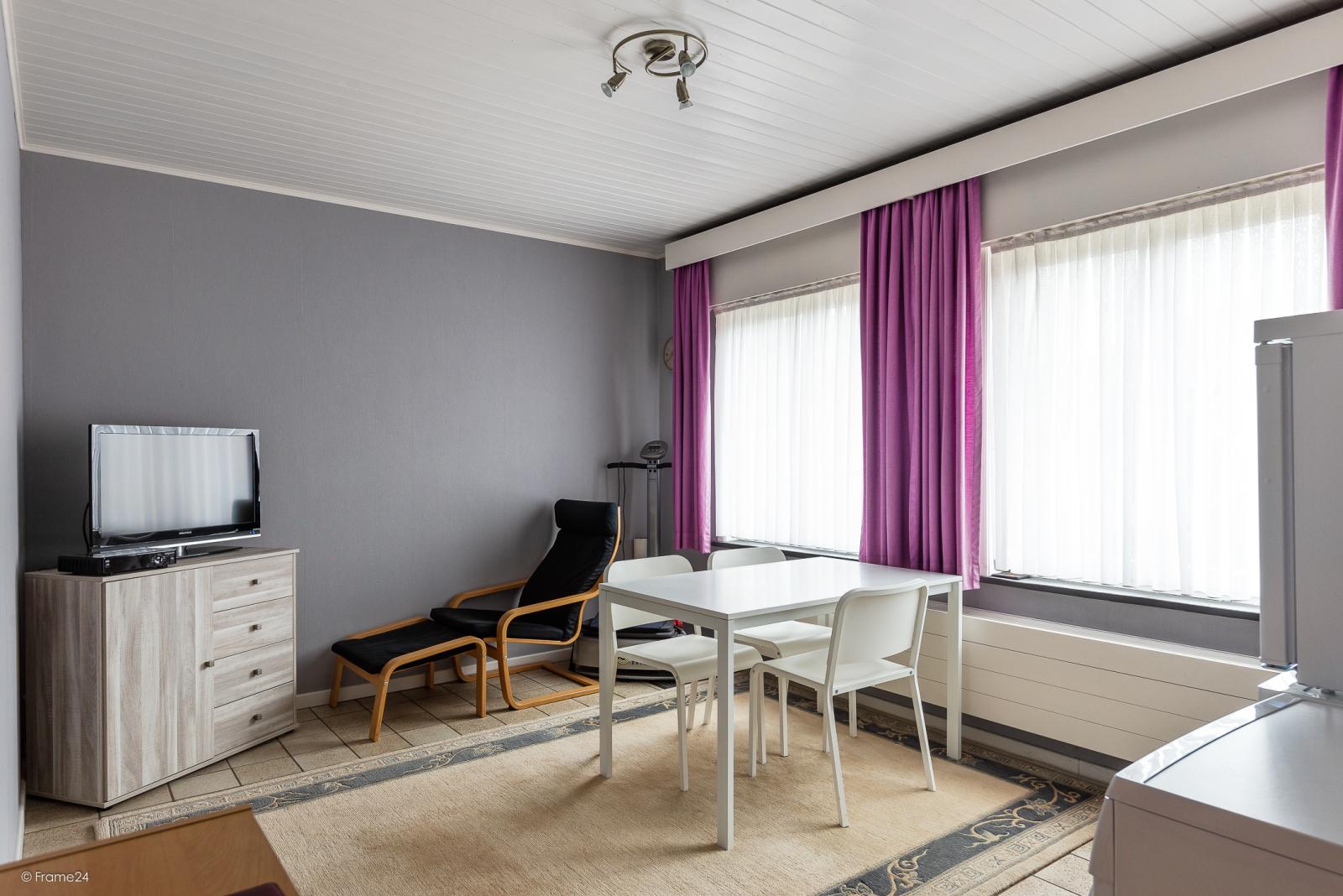 Zeer verzorgde vrijstaande laagbouwwoning met 3 slaapkamers op goede locatie te Wommelgem! afbeelding 10