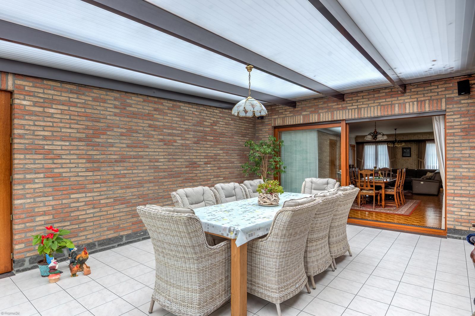Uitzonderlijk eigendom te Wijnegem met enorme ondergrondse parking op een perceel van 1.417 m²! afbeelding 8