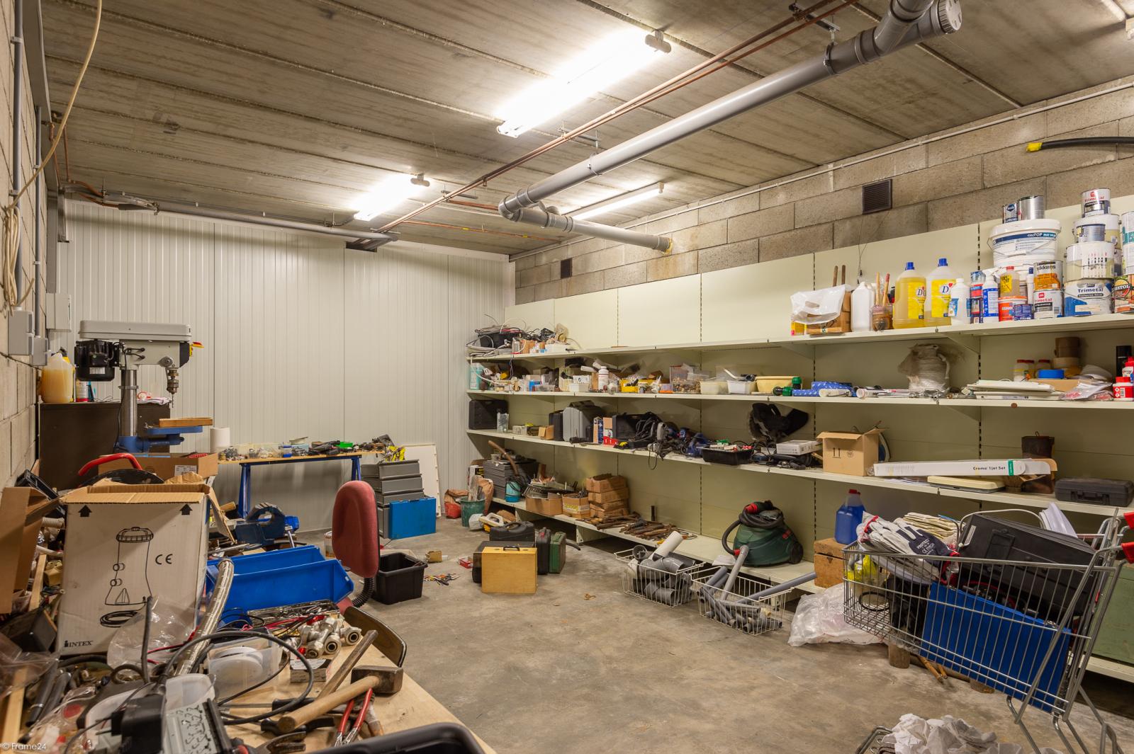 Uitzonderlijk eigendom te Wijnegem met enorme ondergrondse parking op een perceel van 1.417 m²! afbeelding 36