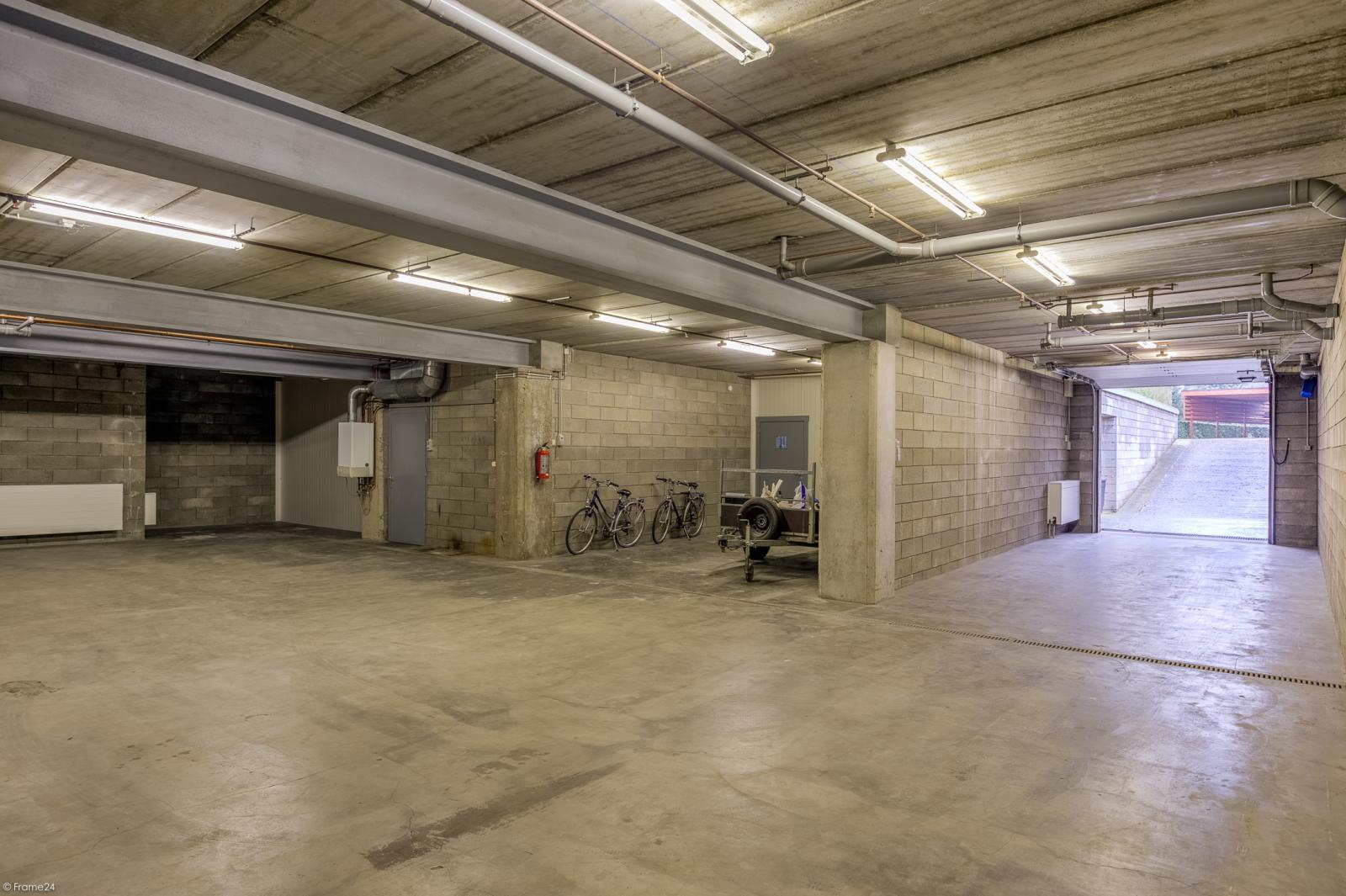 Uitzonderlijk eigendom te Wijnegem met enorme ondergrondse parking op een perceel van 1.417 m²! afbeelding 33