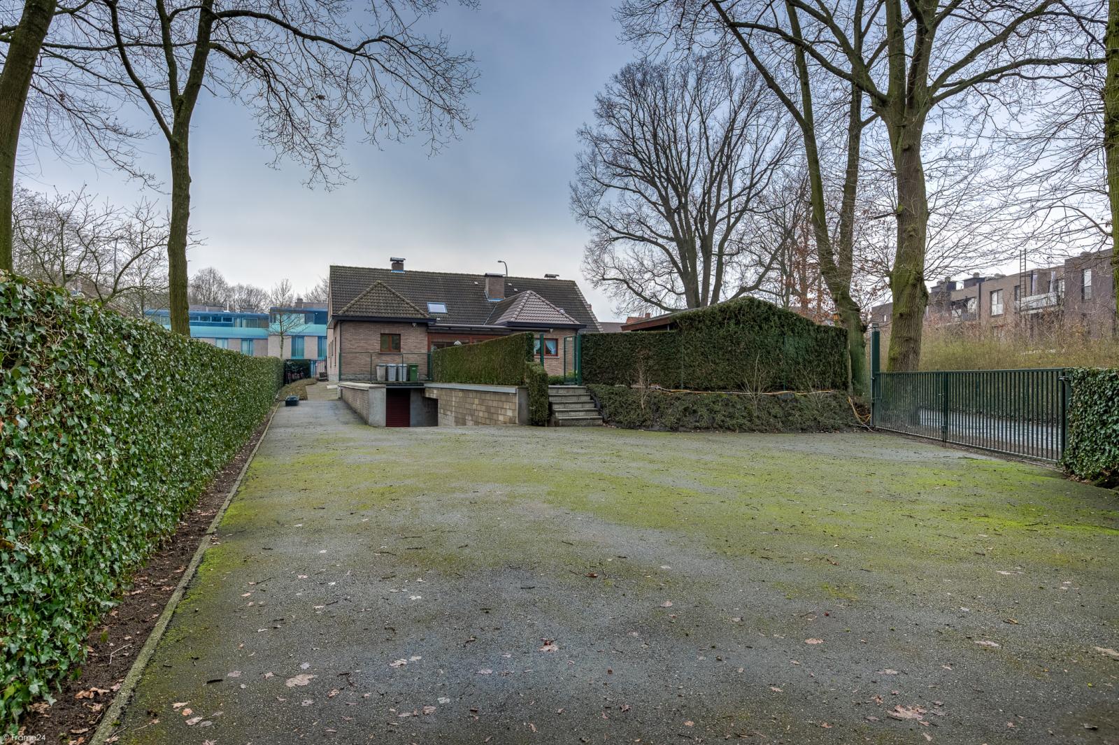 Uitzonderlijk eigendom te Wijnegem met enorme ondergrondse parking op een perceel van 1.417 m²! afbeelding 39