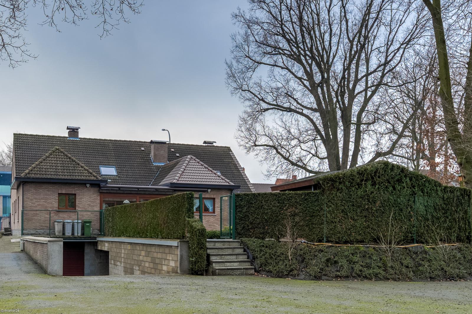 Uitzonderlijk eigendom te Wijnegem met enorme ondergrondse parking op een perceel van 1.417 m²! afbeelding 38