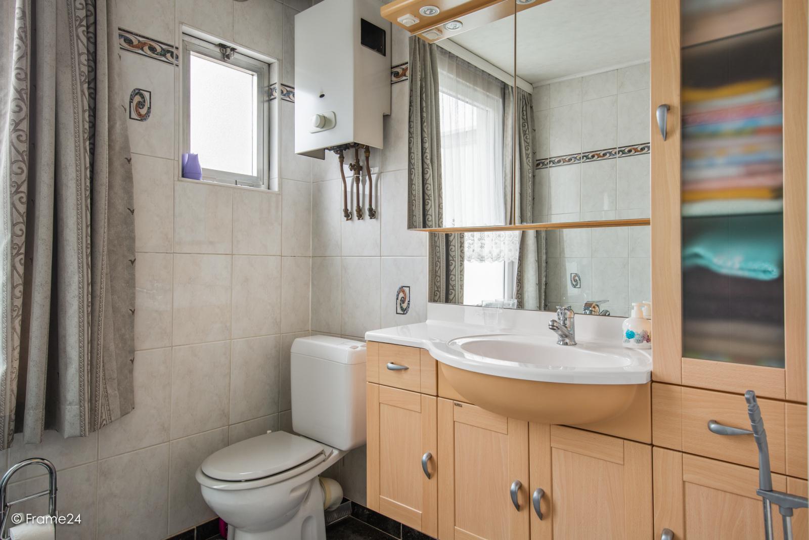 Verzorgde eengezinswoning met 4 slaapkamers op centrale locatie te Deurne! afbeelding 14