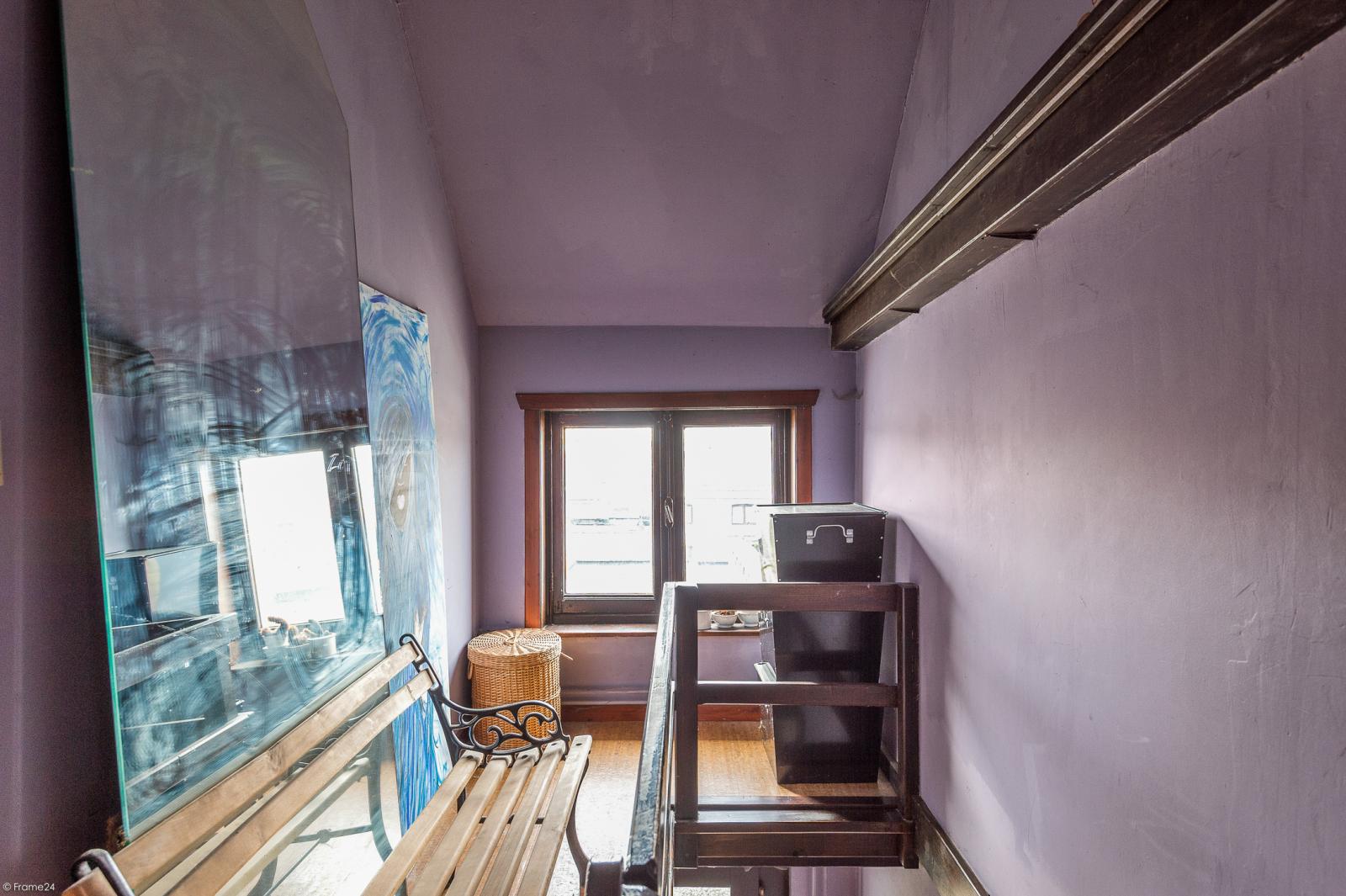 Deels te renoveren woning met 4 ruime slaapkamers op goede locatie te Wijnegem! afbeelding 14