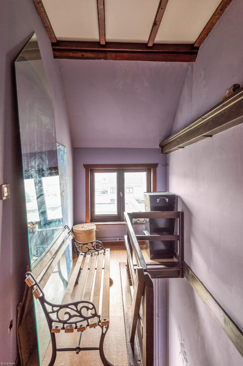 Deels te renoveren woning met 4 ruime slaapkamers op goede locatie te Wijnegem! afbeelding 15