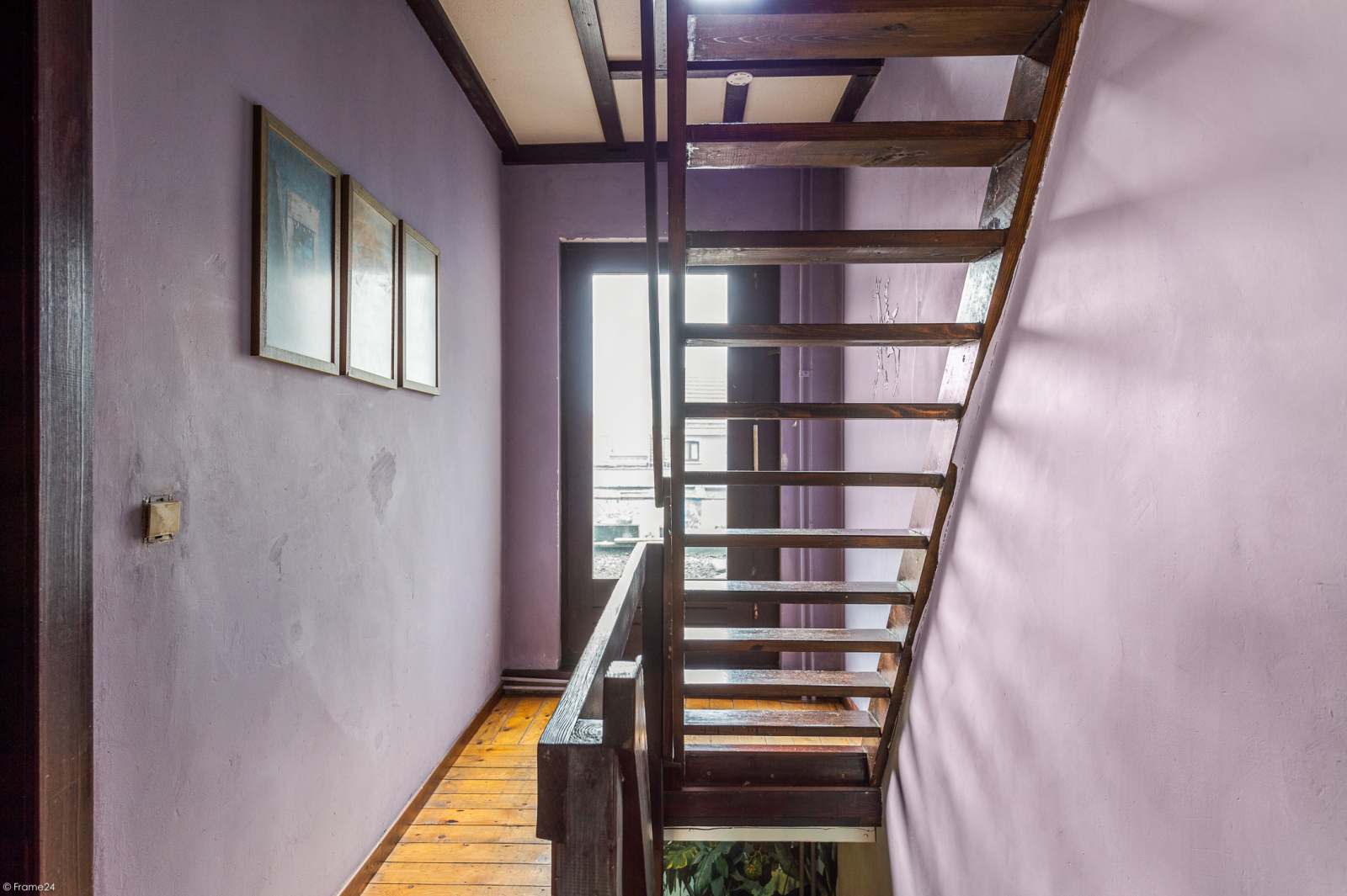 Deels te renoveren woning met 4 ruime slaapkamers op goede locatie te Wijnegem! afbeelding 12