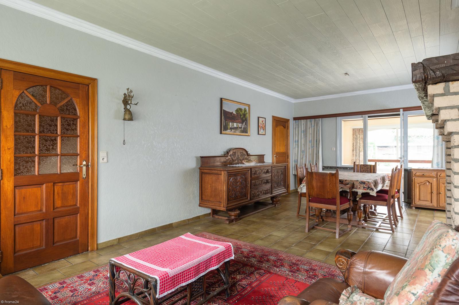 Te renoveren vrijstaande woning op toplocatie te Wijnegem! afbeelding 11