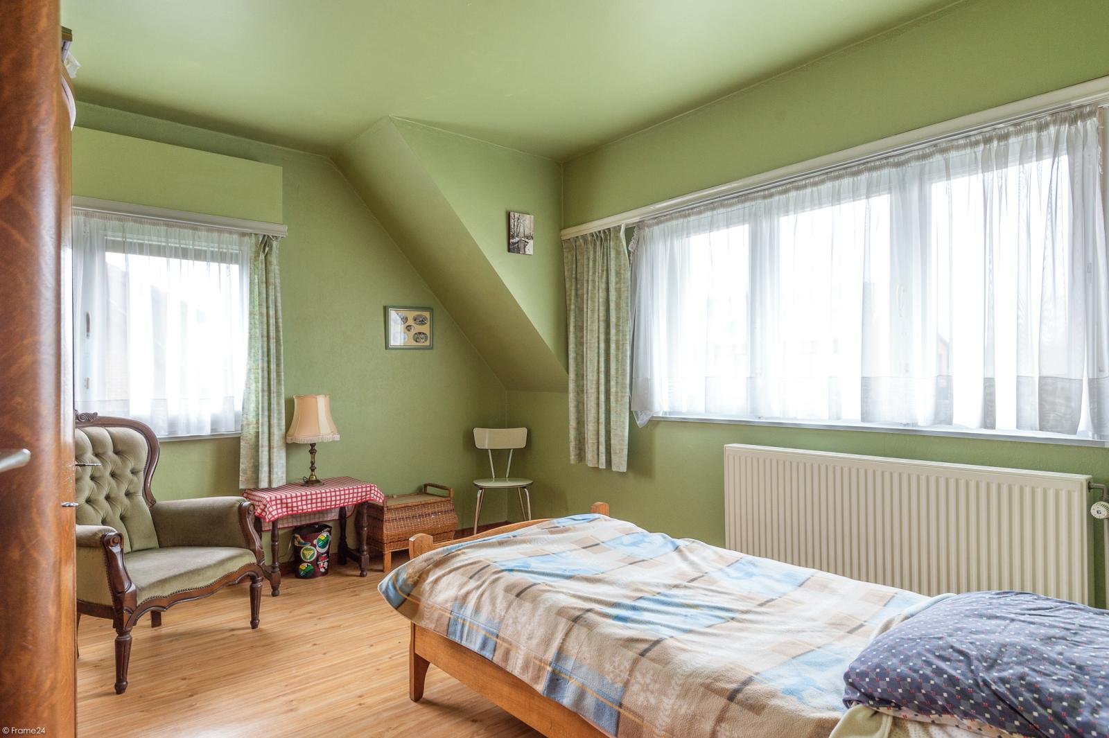 Te renoveren vrijstaande woning op toplocatie te Wijnegem! afbeelding 14